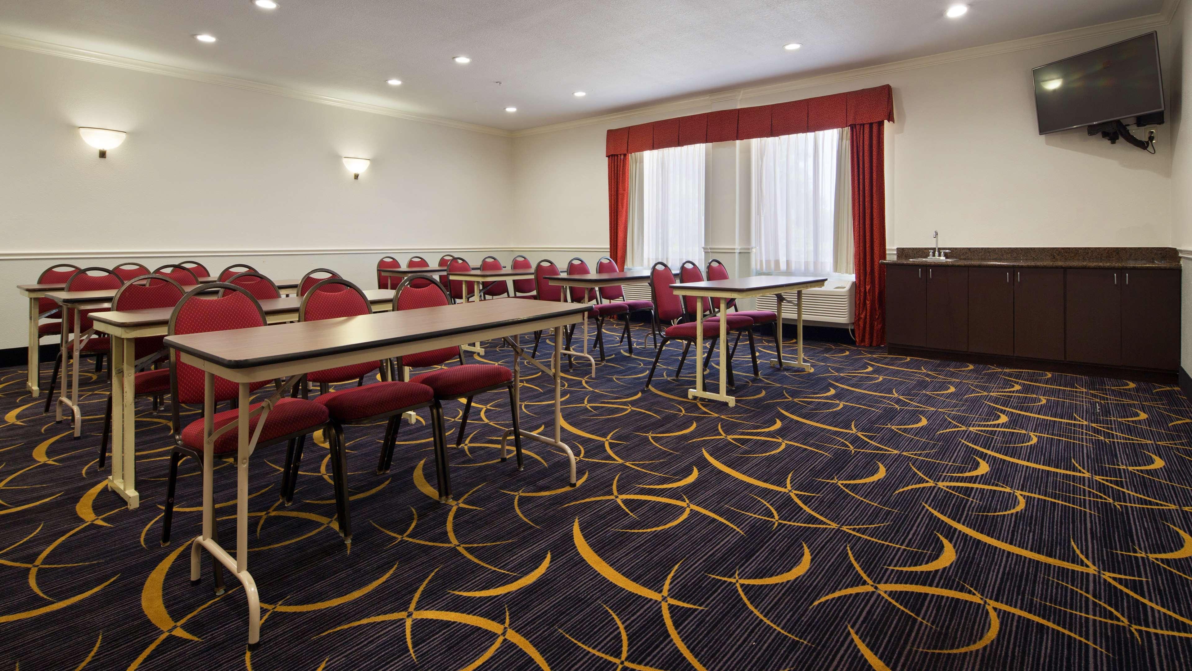 Best Western Plus North Houston Inn & Suites image 10
