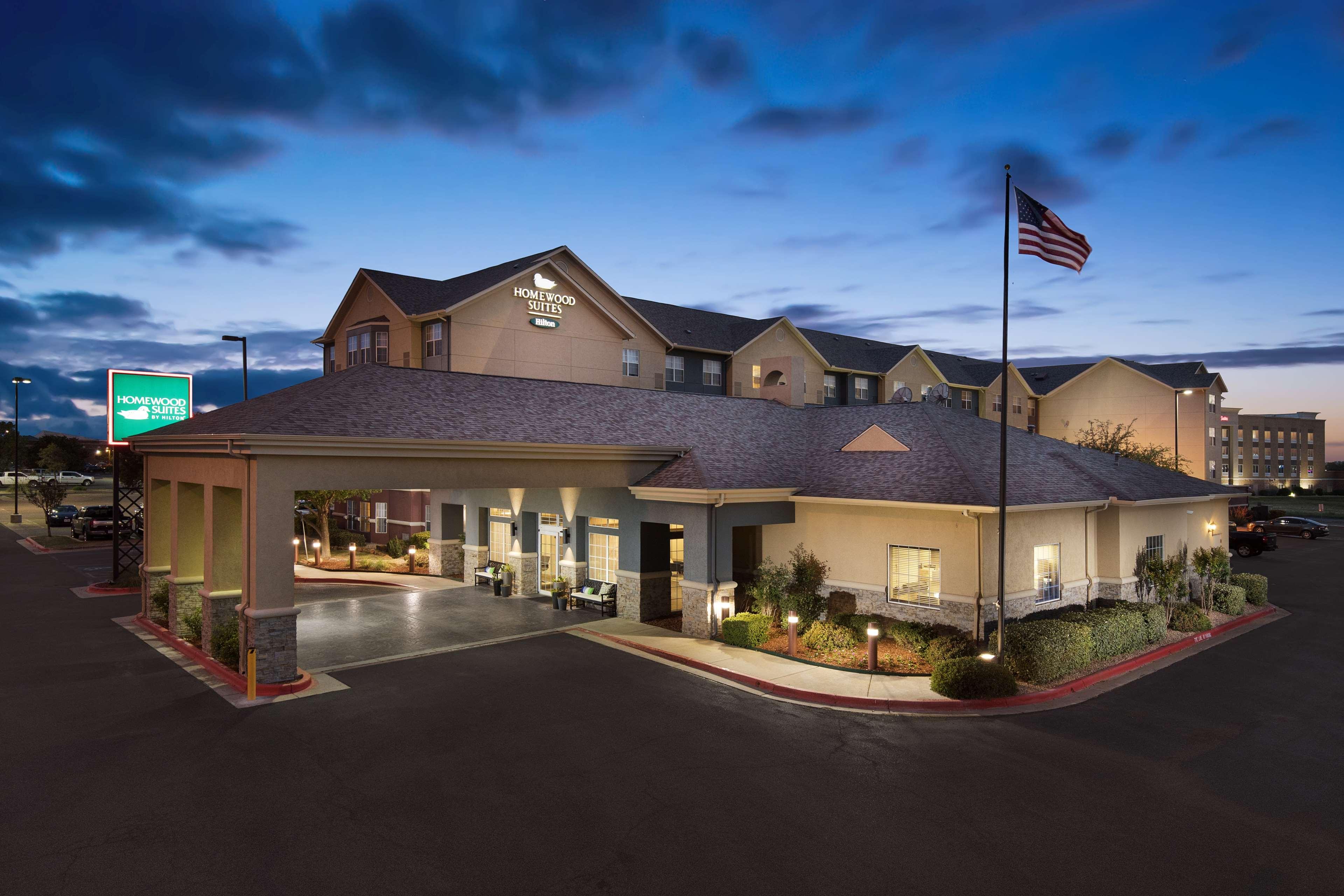 Homewood Suites by Hilton Lubbock image 2