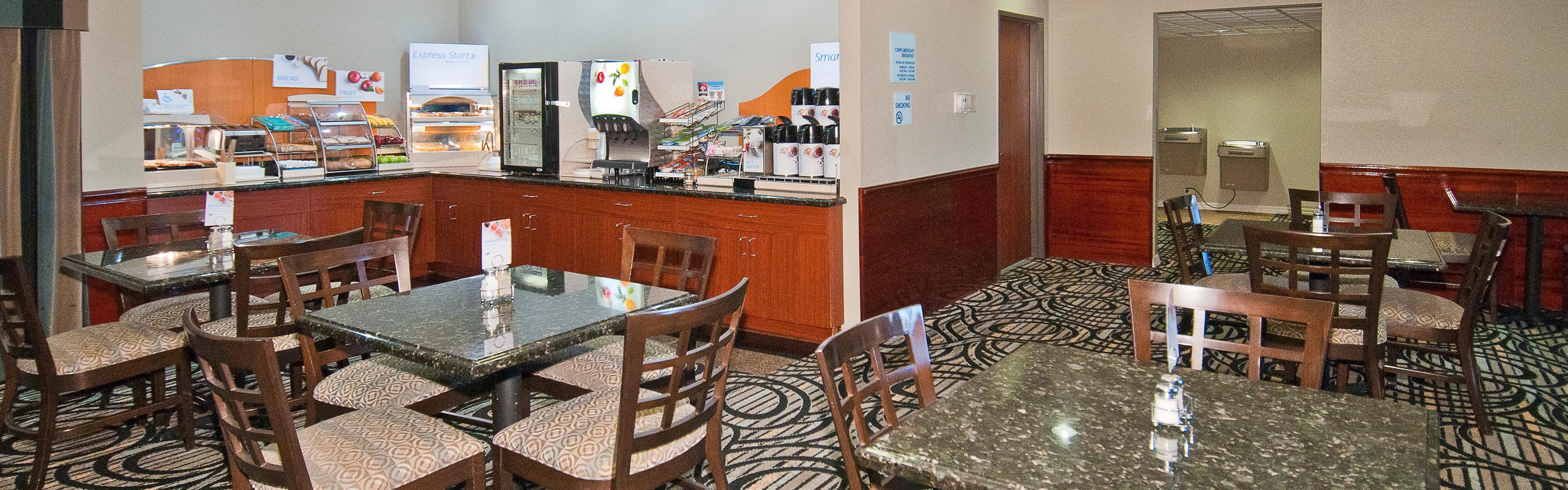 Holiday Inn Express & Suites Lake Charles image 3