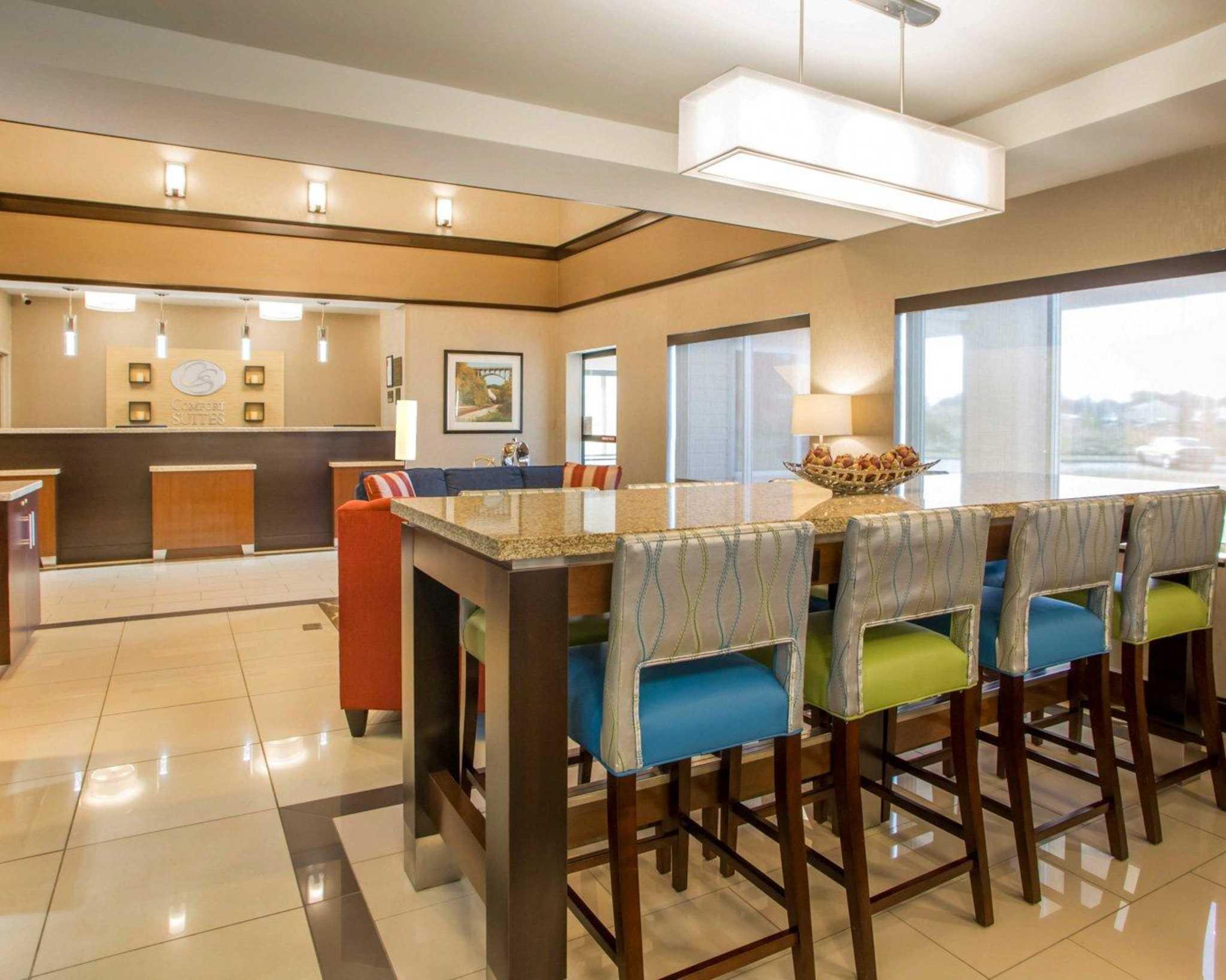 Comfort Suites Columbus West- Hilliard image 16