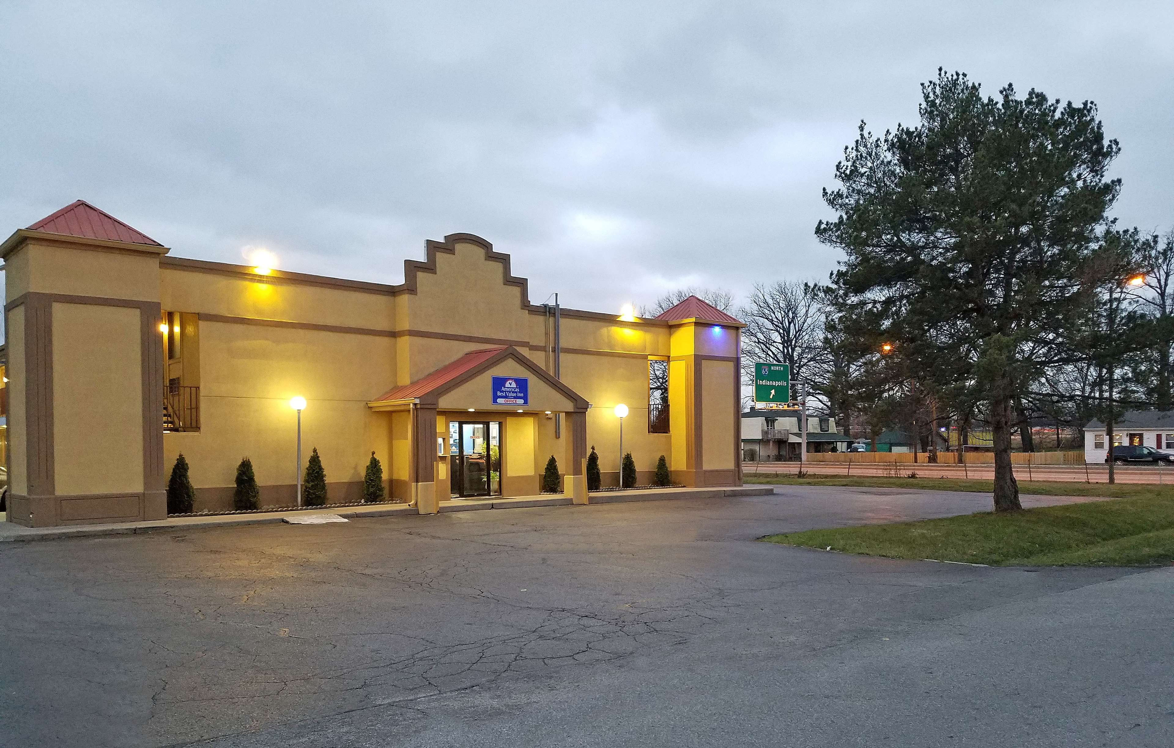 Americas Best Value Inn - Indy South image 0