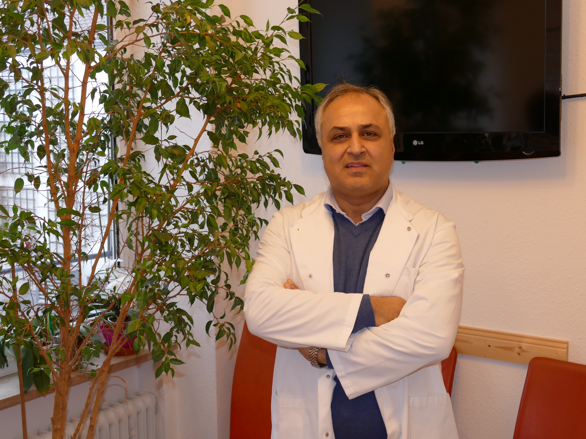 Bild der Hausarzt & Internist in München I Roberto M. Khatami