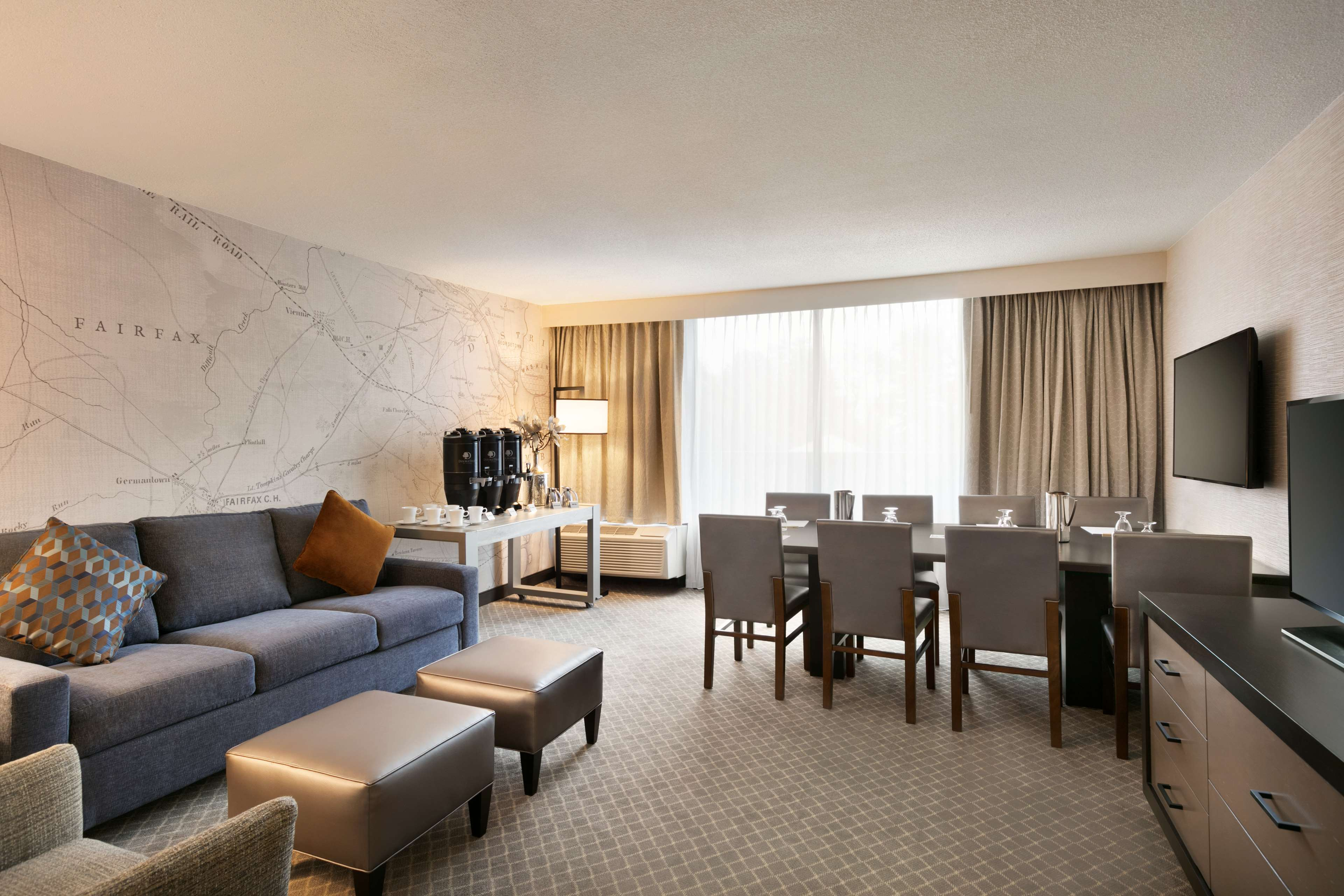 DoubleTree by Hilton McLean Tysons image 9