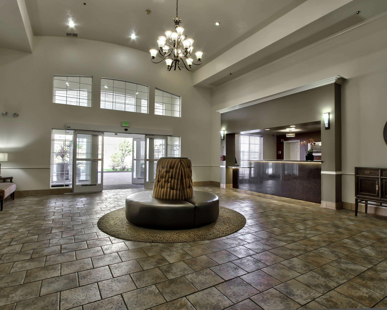 Best Western Plus Salinas Valley Inn & Suites image 2