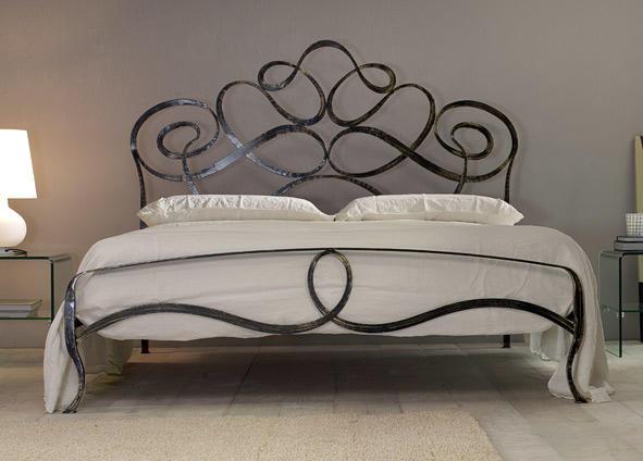 Casa Con Giardino Druento : Chiapello letti in ferro battuto e materassi mobili