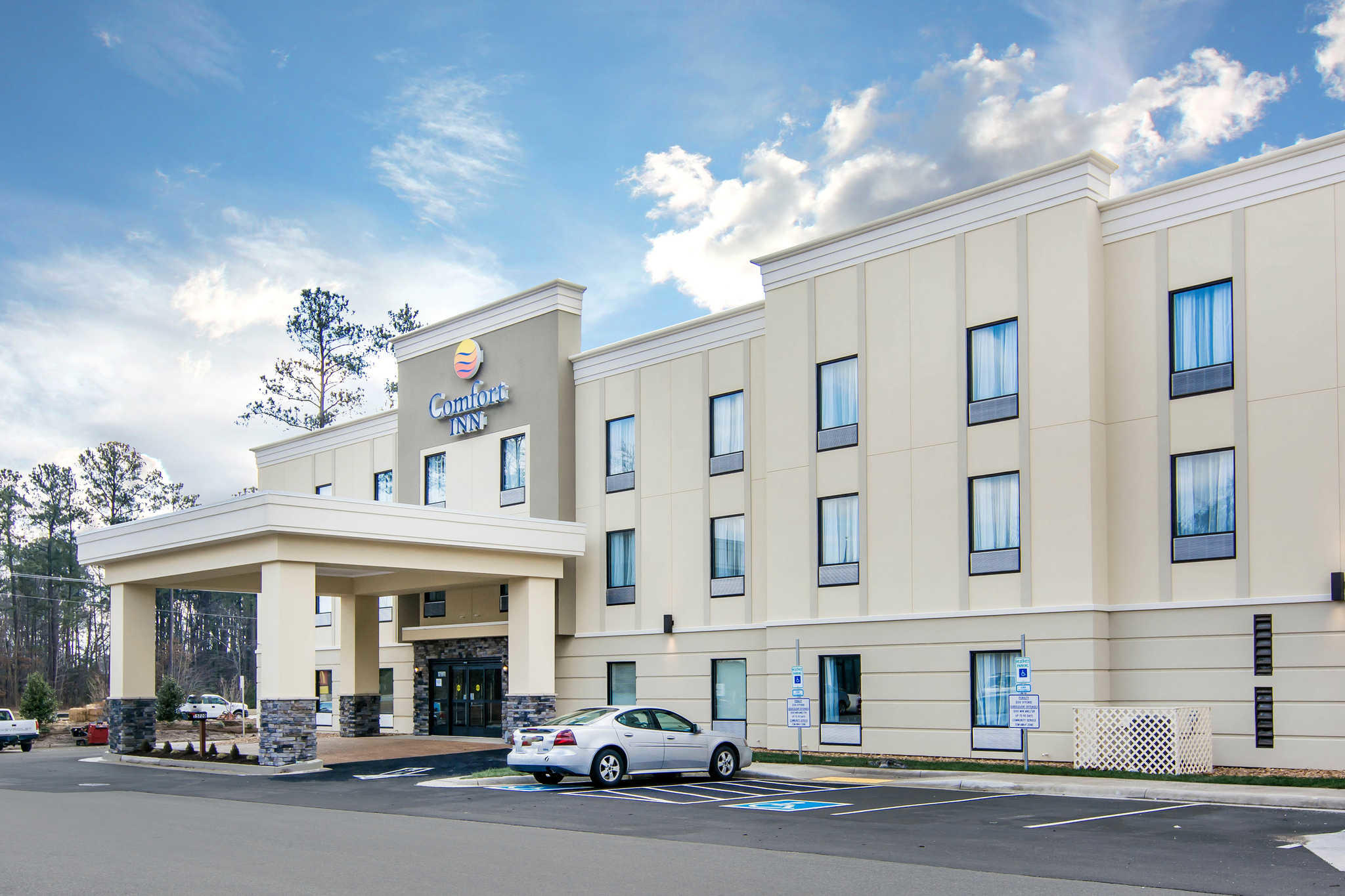 Comfort Inn South Chesterfield - Colonial Heights image 1
