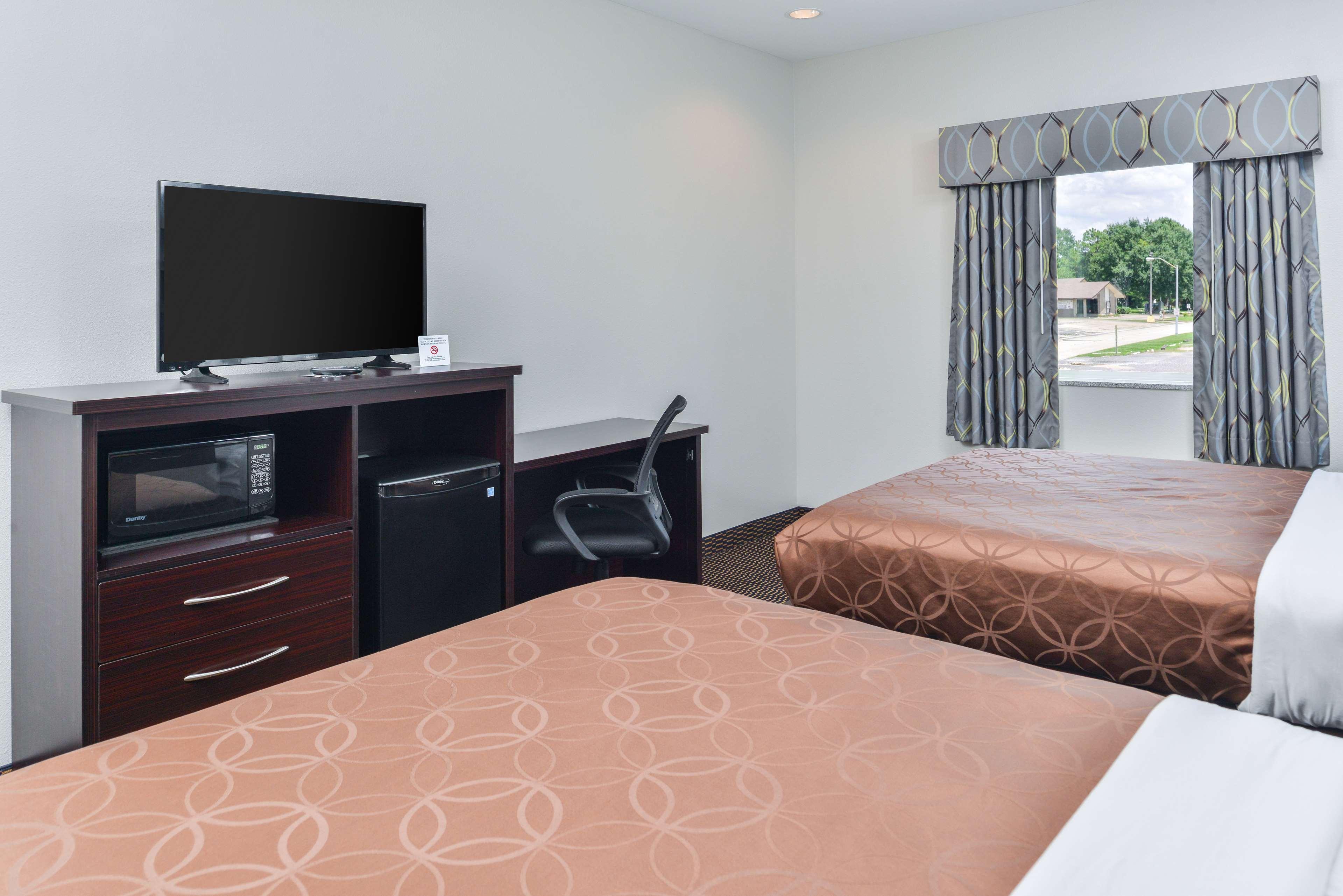 Americas Best Value Inn - Baton Rouge / College Drive image 13