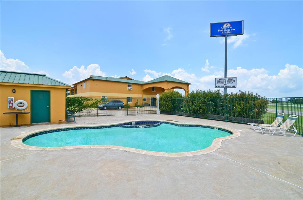 Americas Best Value Inn & Suites Smithville image 5