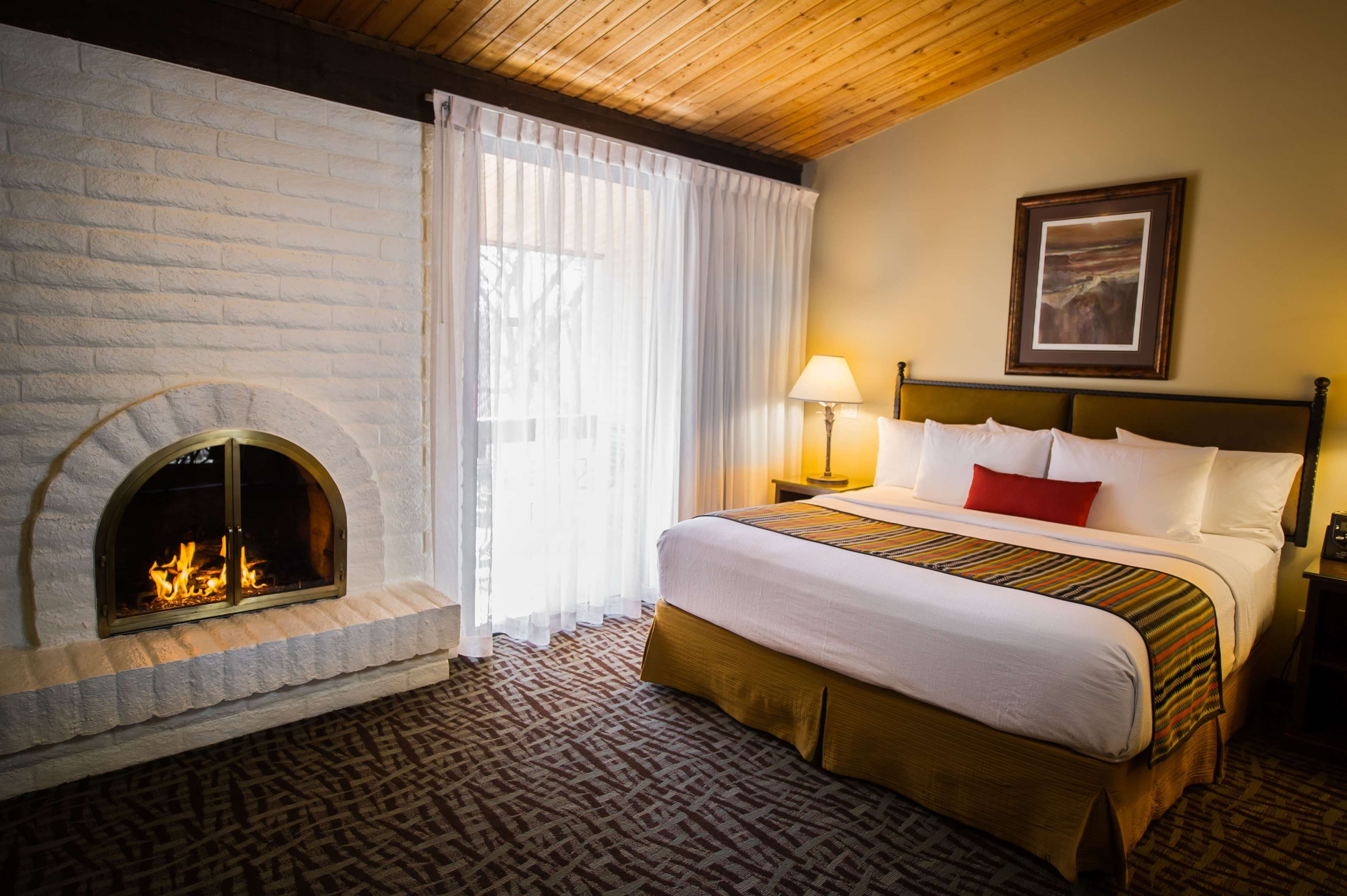 Best Western Plus Arroyo Roble Hotel & Creekside Villas image 29