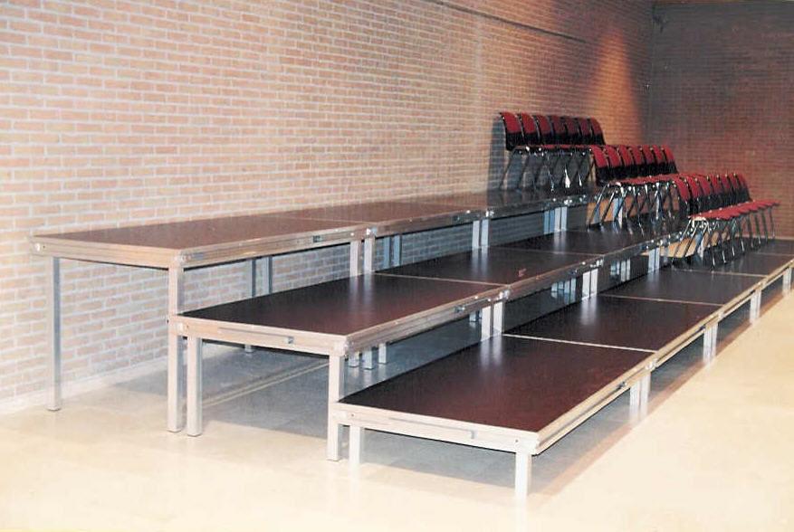 tat touartube mouscron t l 05633 13 tribunes. Black Bedroom Furniture Sets. Home Design Ideas
