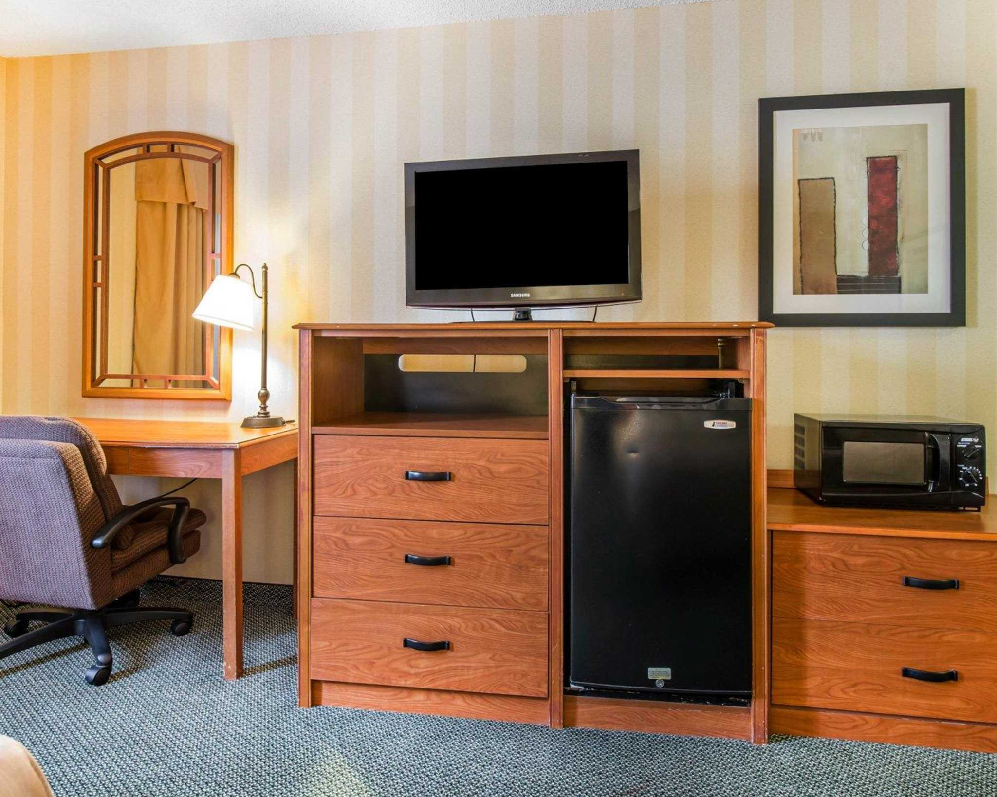 Quality Inn Colorado Springs Airport image 5