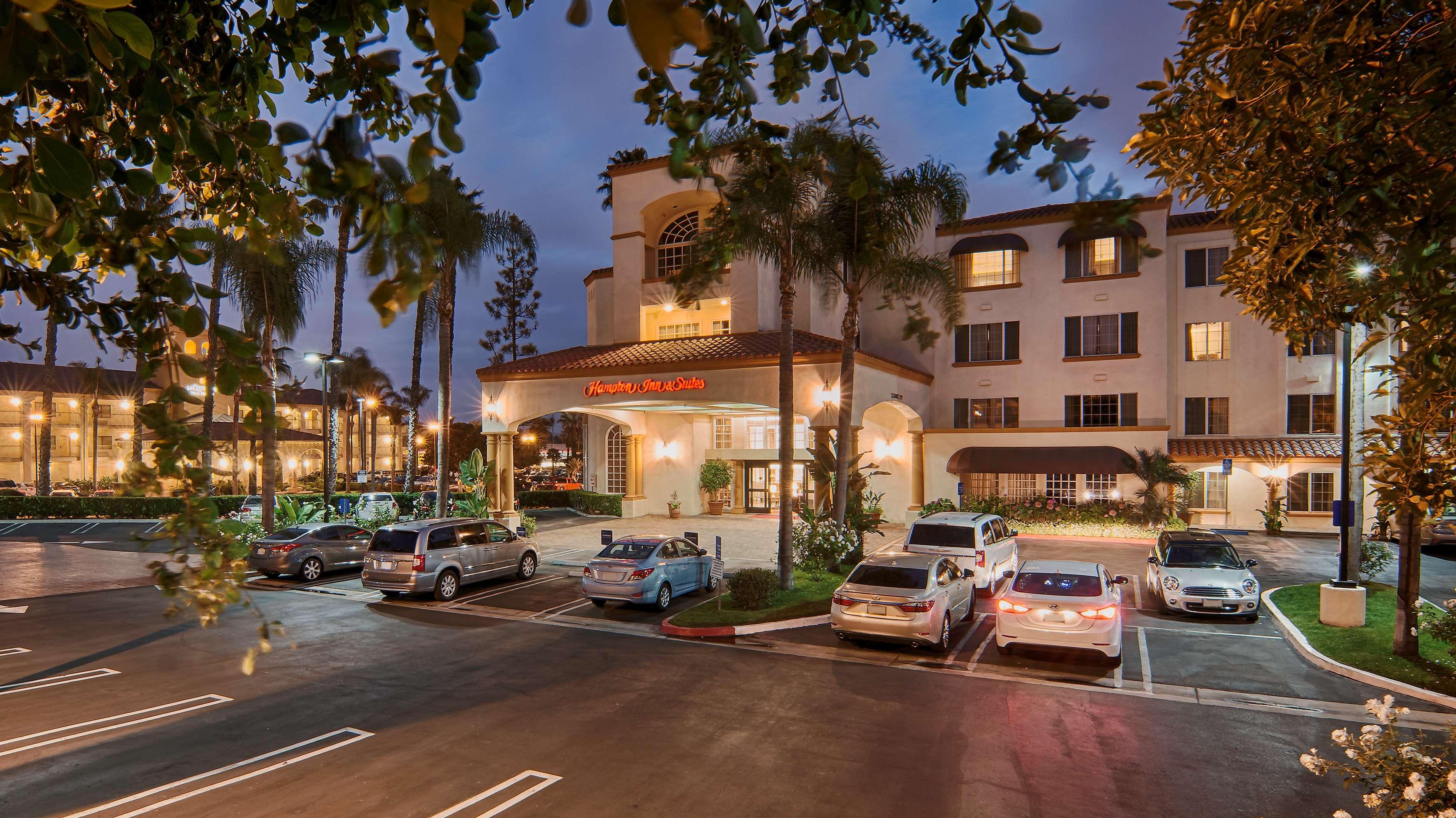 Hampton Inn & Suites Santa Ana/Orange County Airport in Santa Ana, CA, photo #1