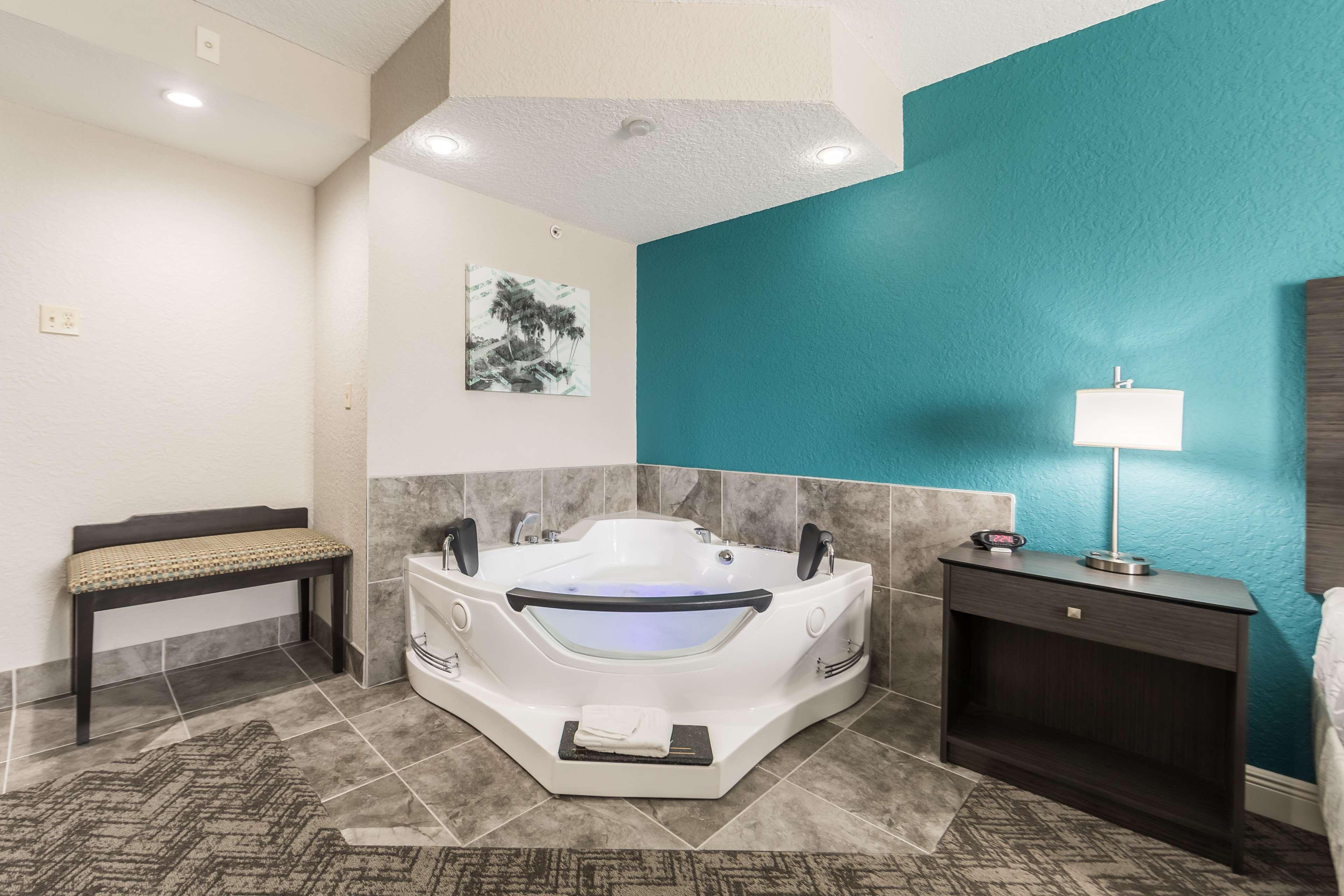 Best Western Plus Sebastian Hotel & Suites image 47