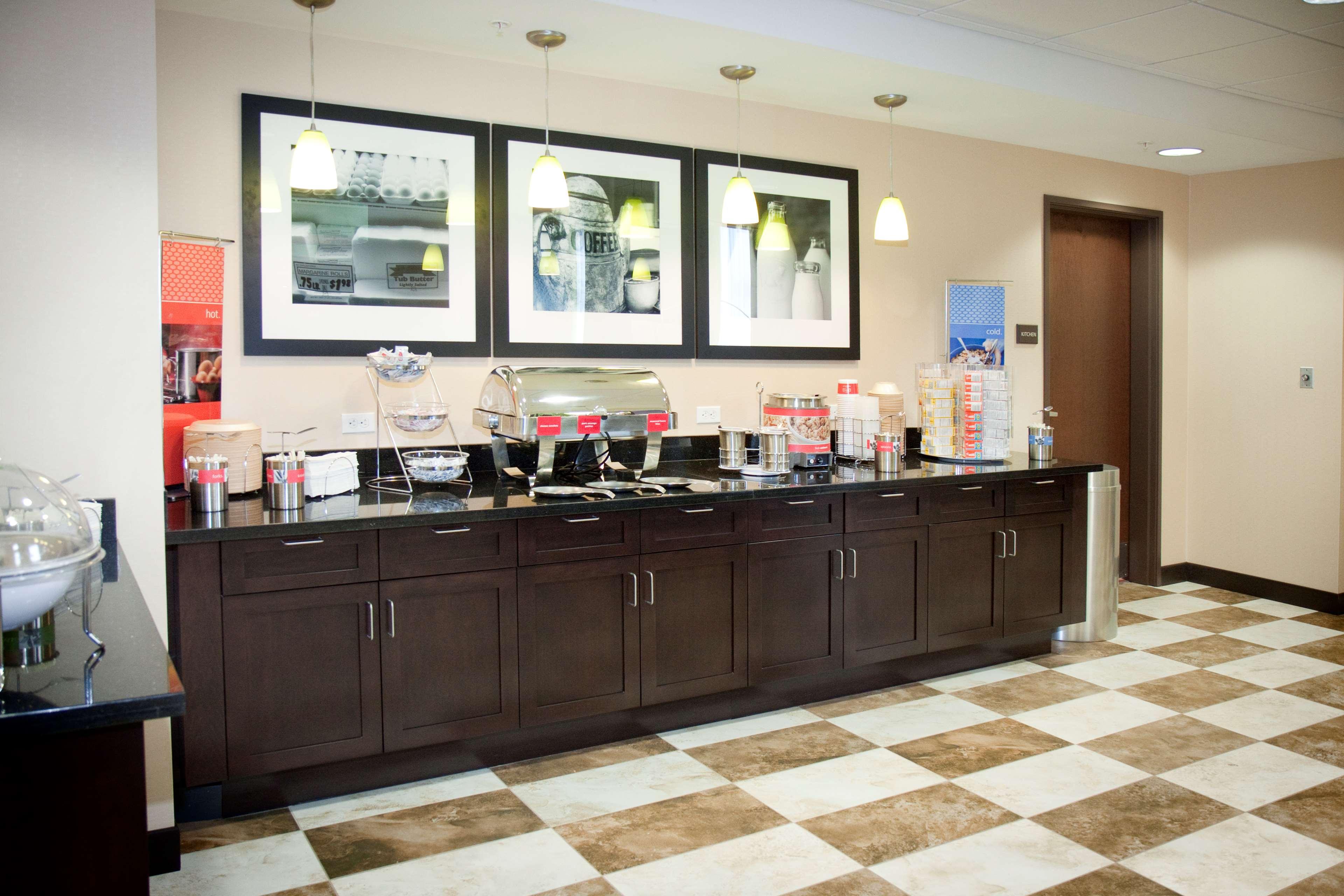 Hampton Inn & Suites Wheeling-The Highlands image 9