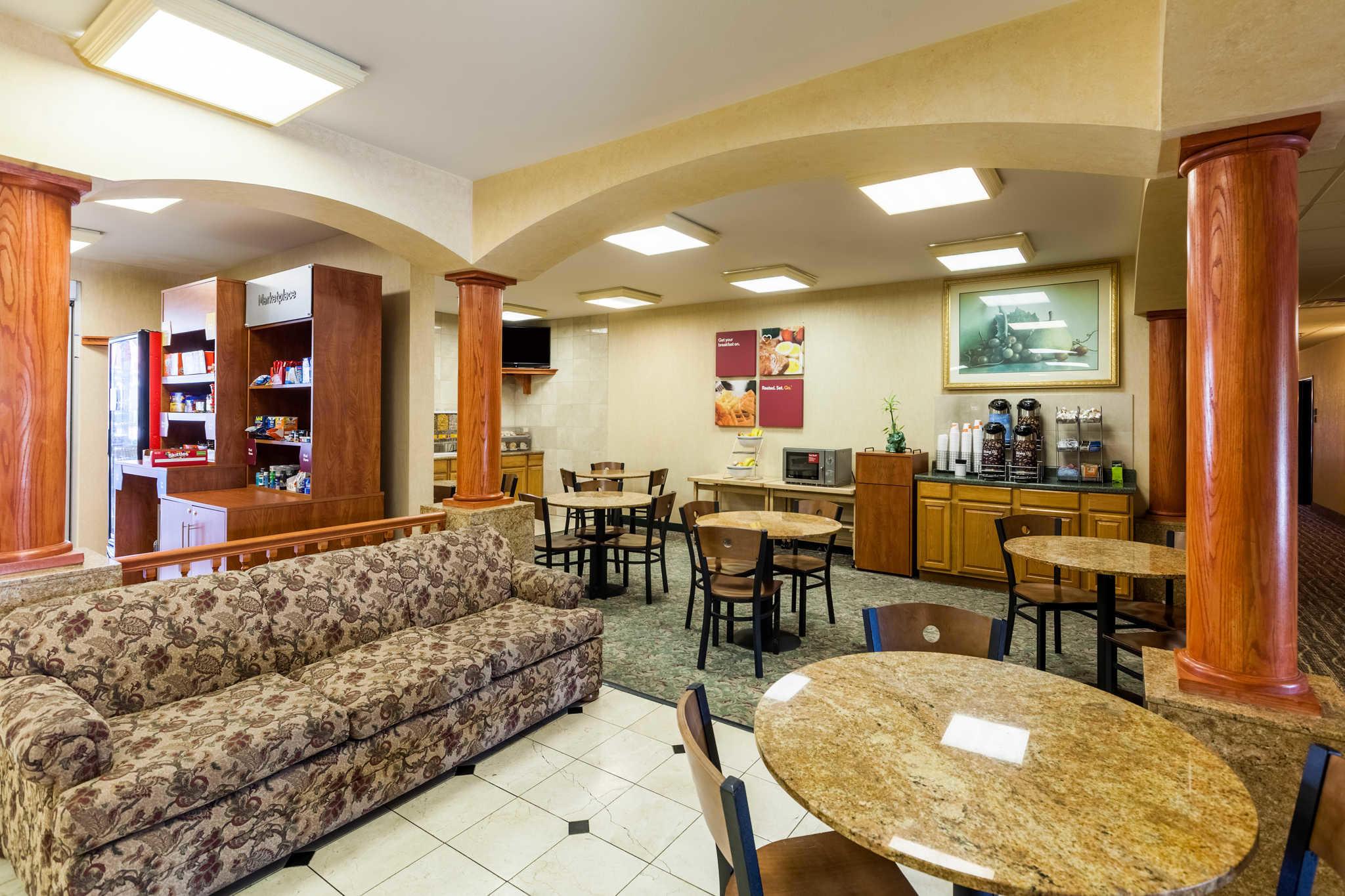 Comfort Suites Mesquite image 30