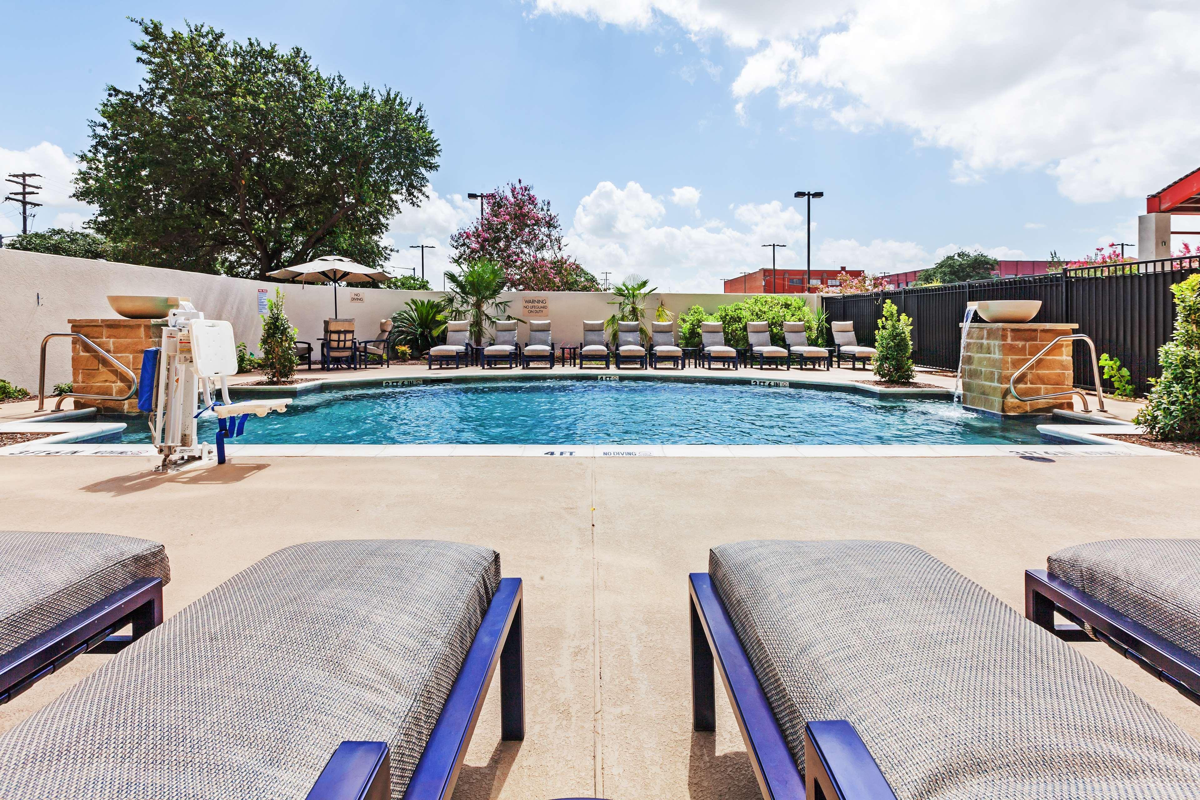 Hilton Waco image 23