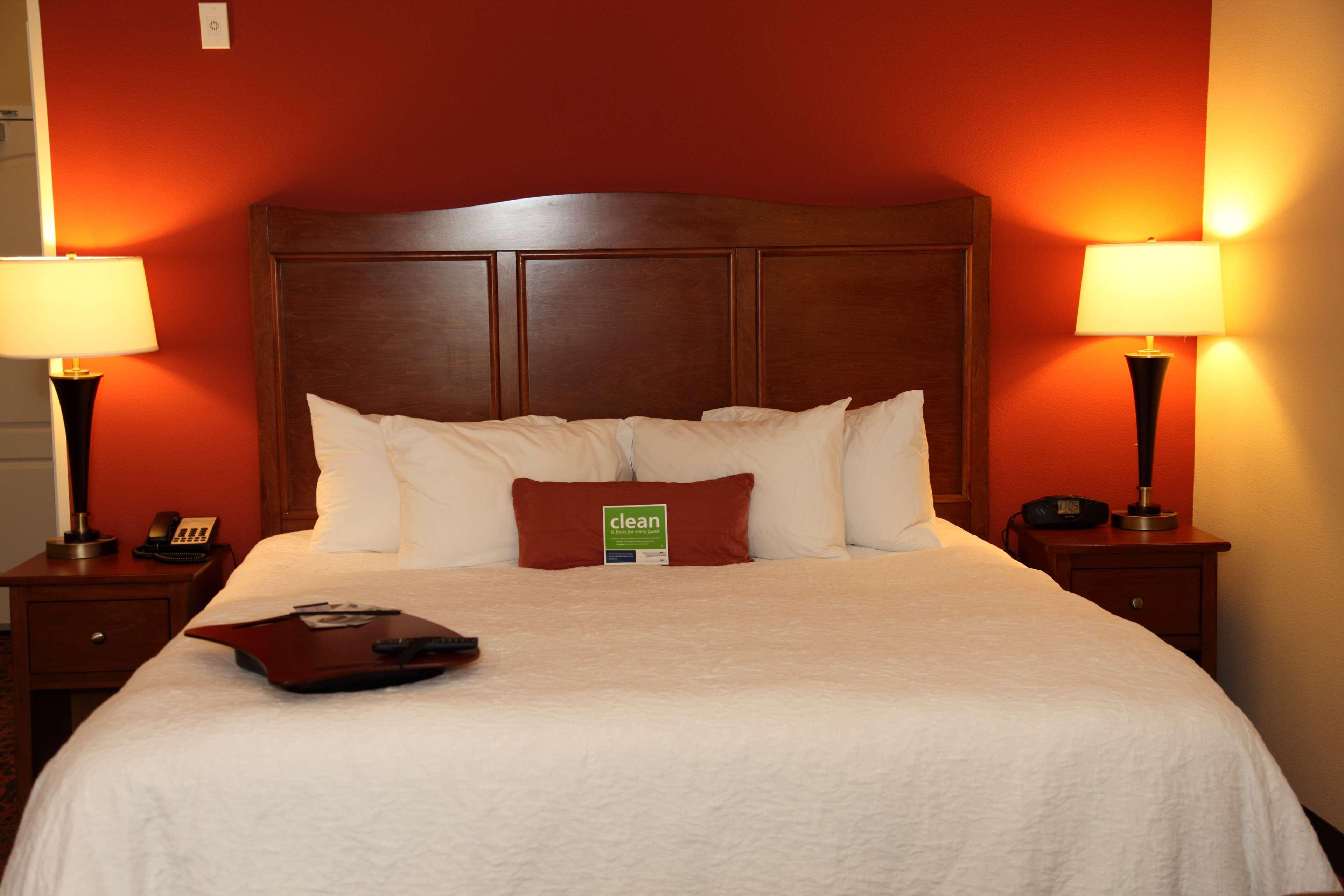 Hampton Inn & Suites Bastrop image 10