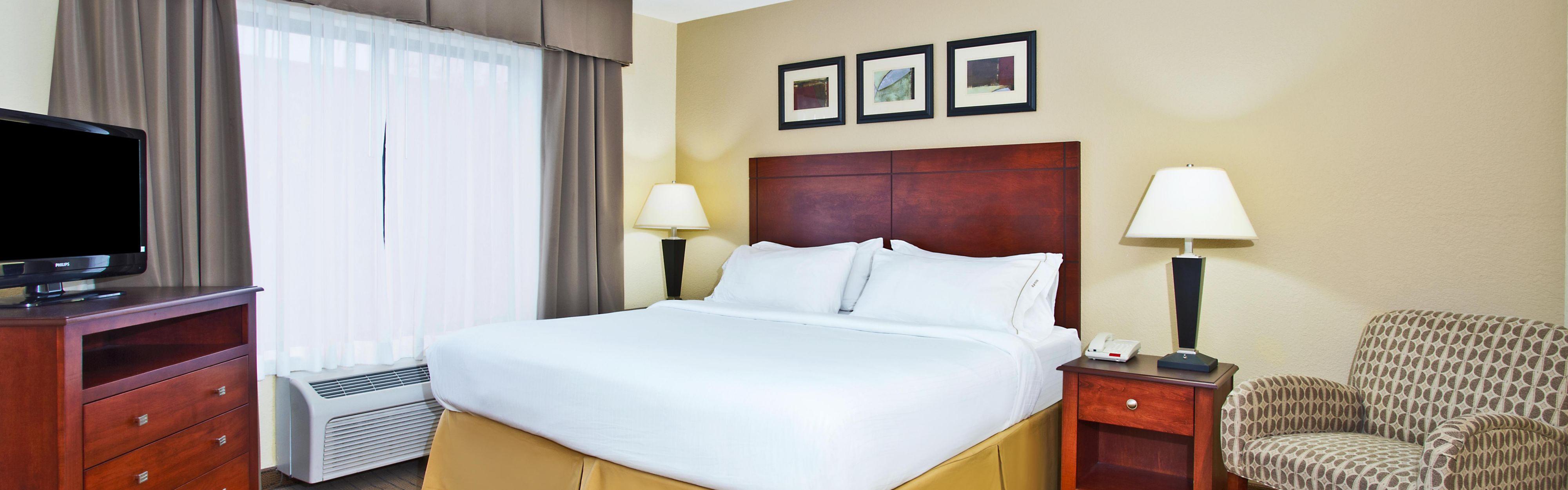 Holiday Inn Express & Suites East Lansing image 1