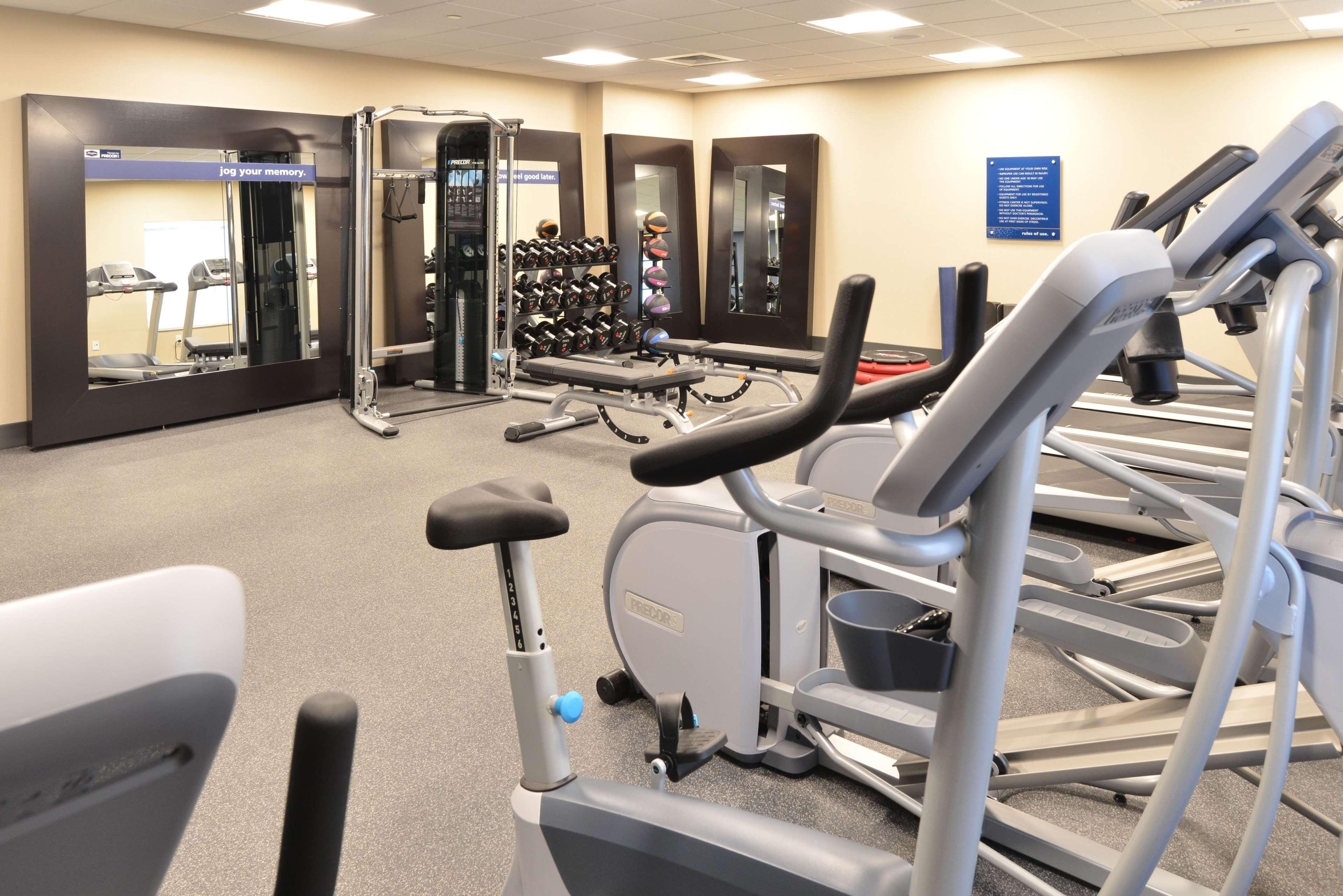 Hampton Inn & Suites Menomonie-UW Stout image 4