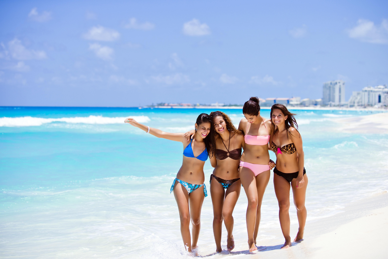 Самые на пляже женщины 11 фотография