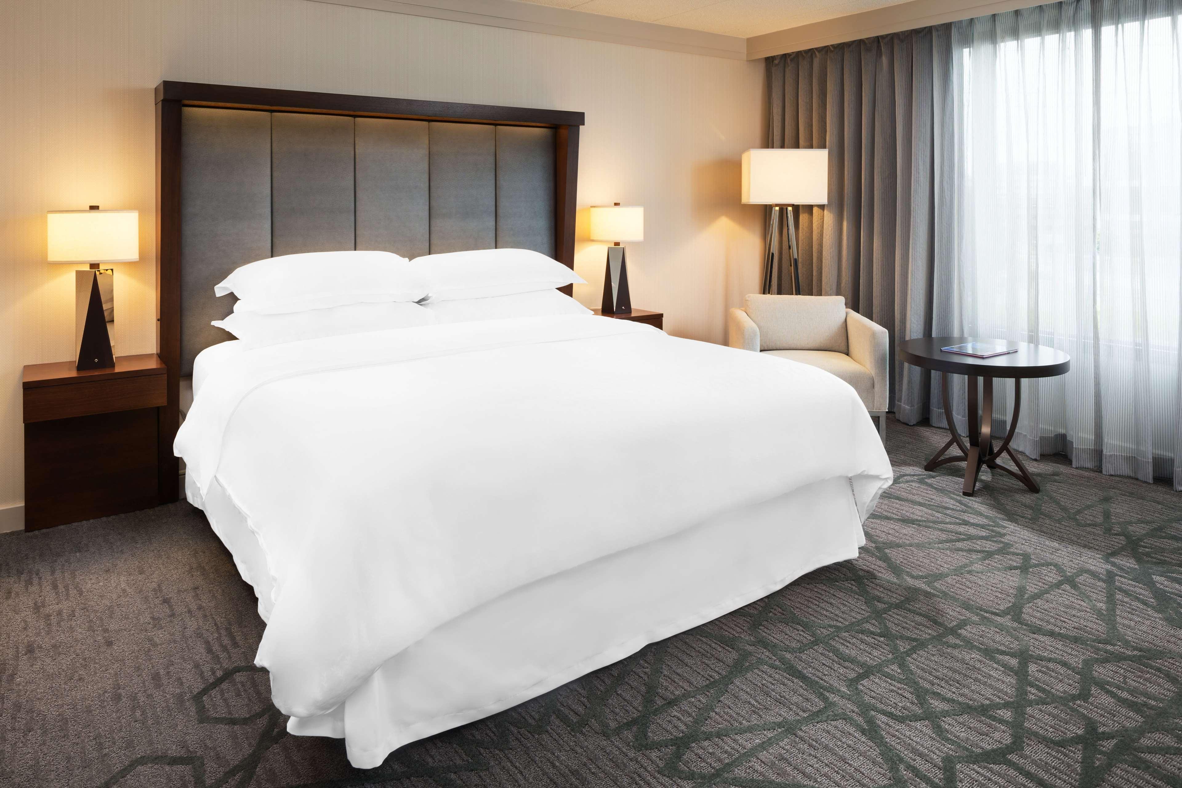 Sheraton Bloomington Hotel image 1