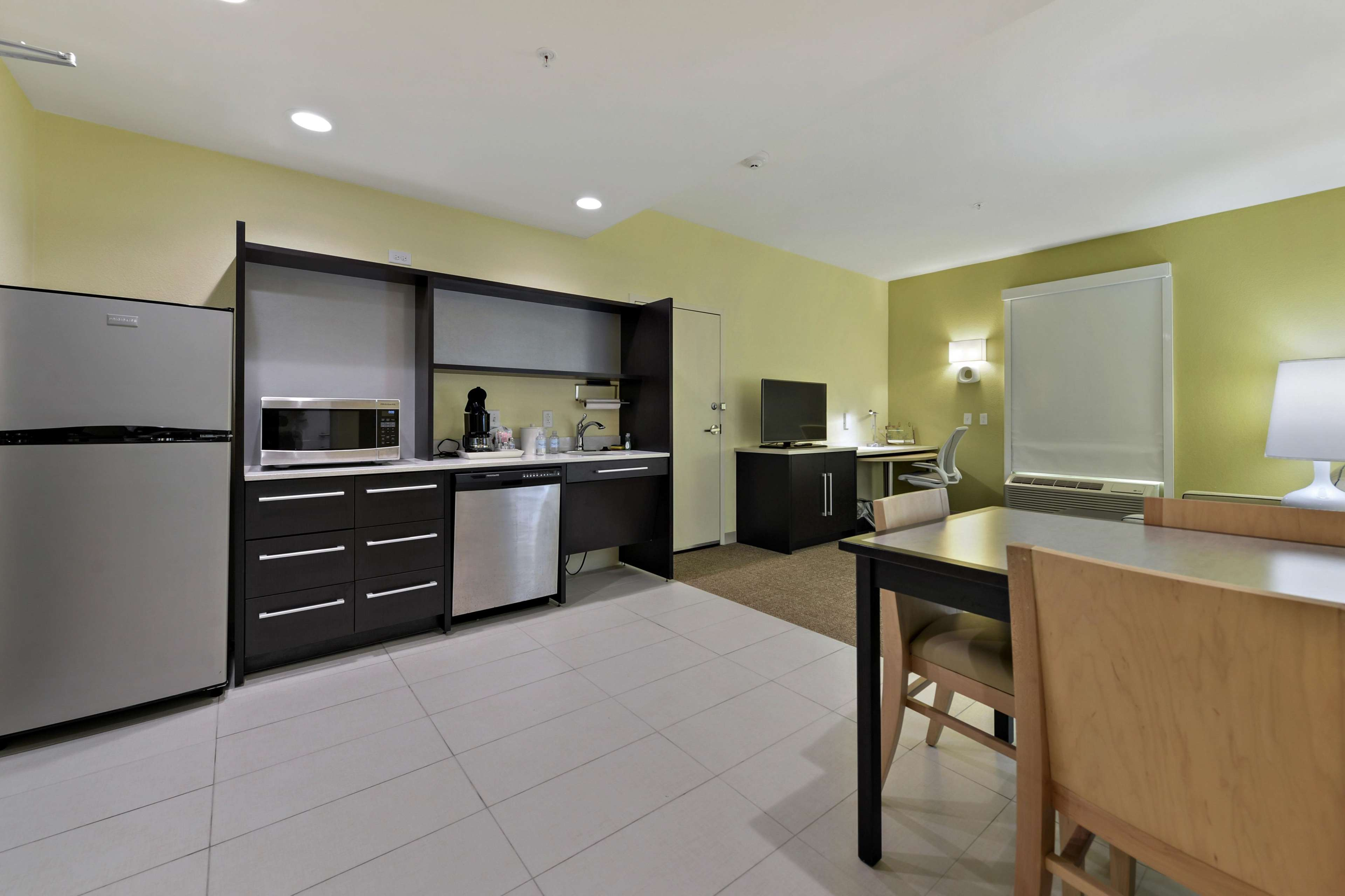 Home2 Suites by Hilton Gulfport I-10 image 35