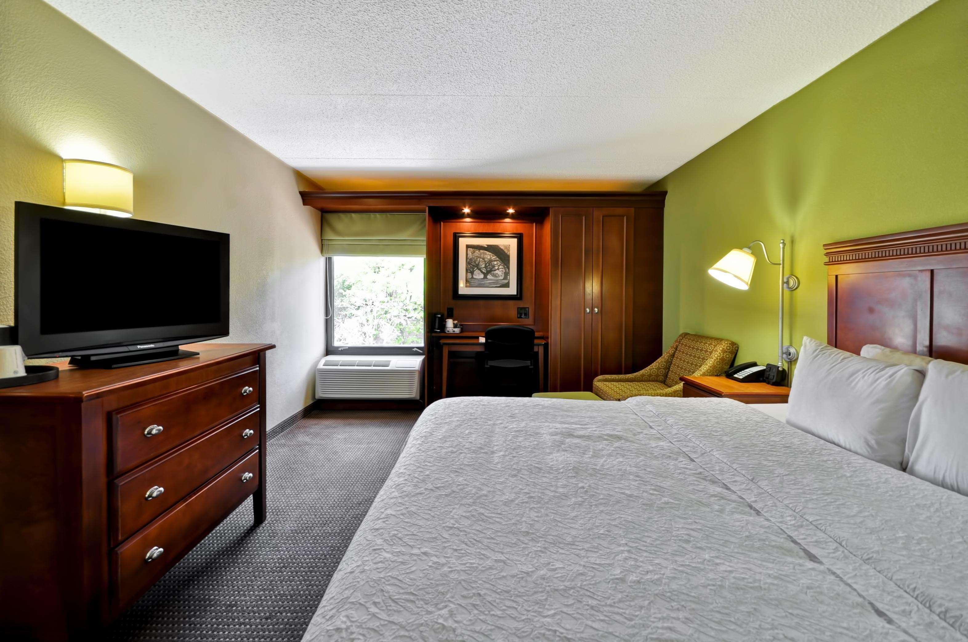 Hampton Inn St. Louis/Westport image 34
