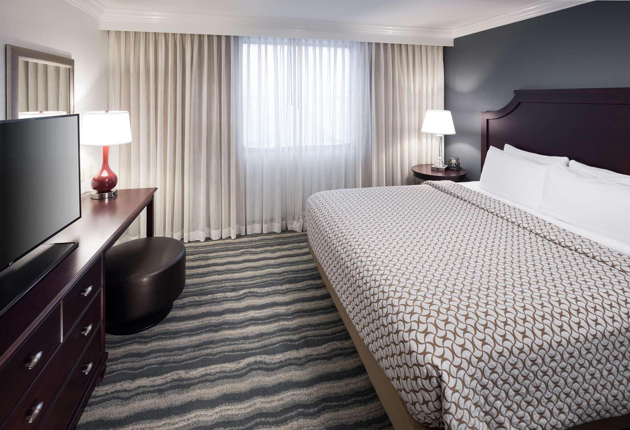 Embassy Suites by Hilton Tampa Brandon image 5