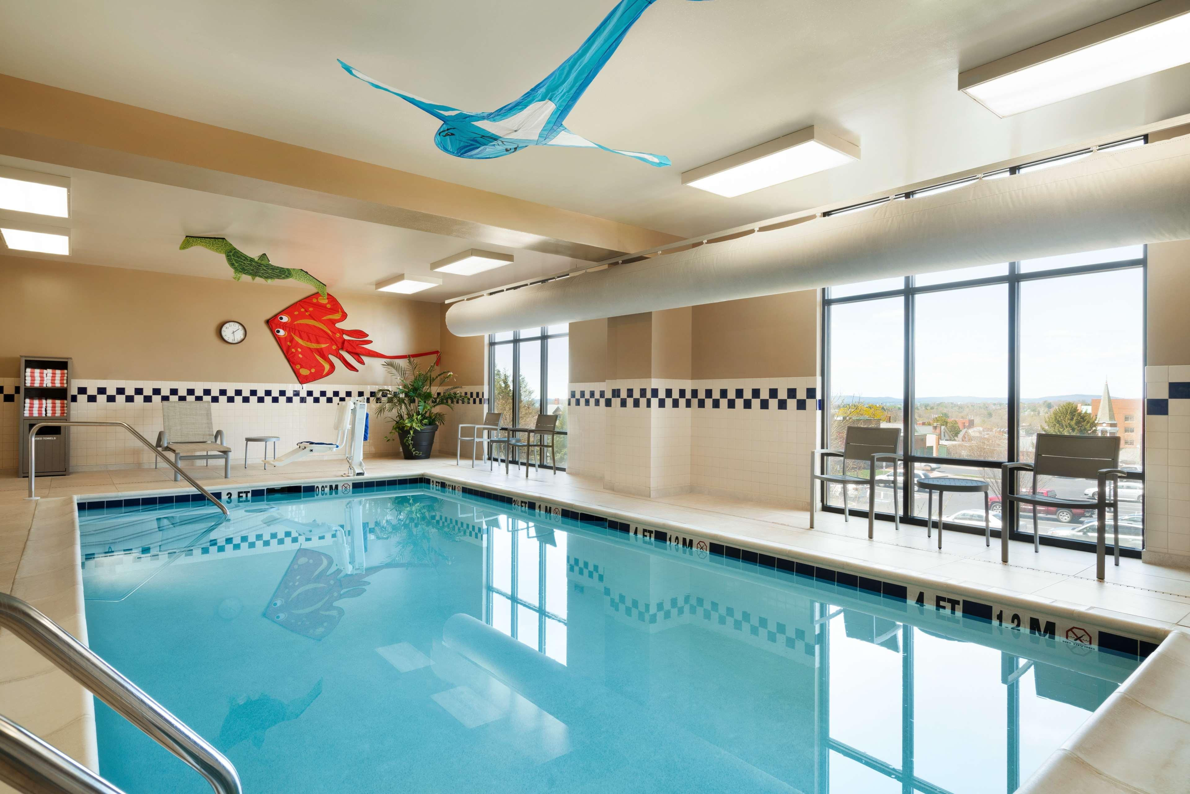 Hampton Inn & Suites Ephrata - Mountain Springs image 5
