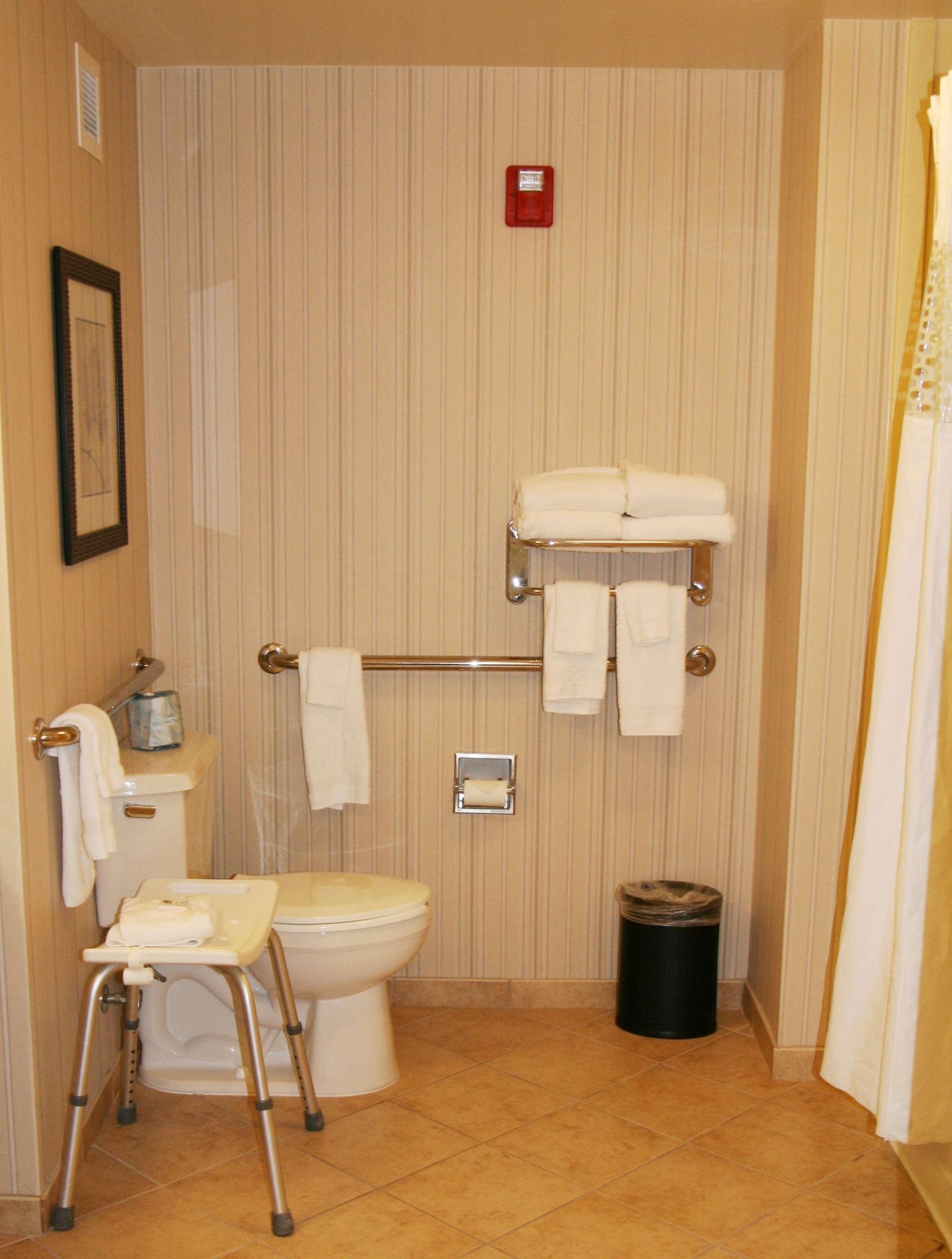 Hampton Inn & Suites Paducah image 18