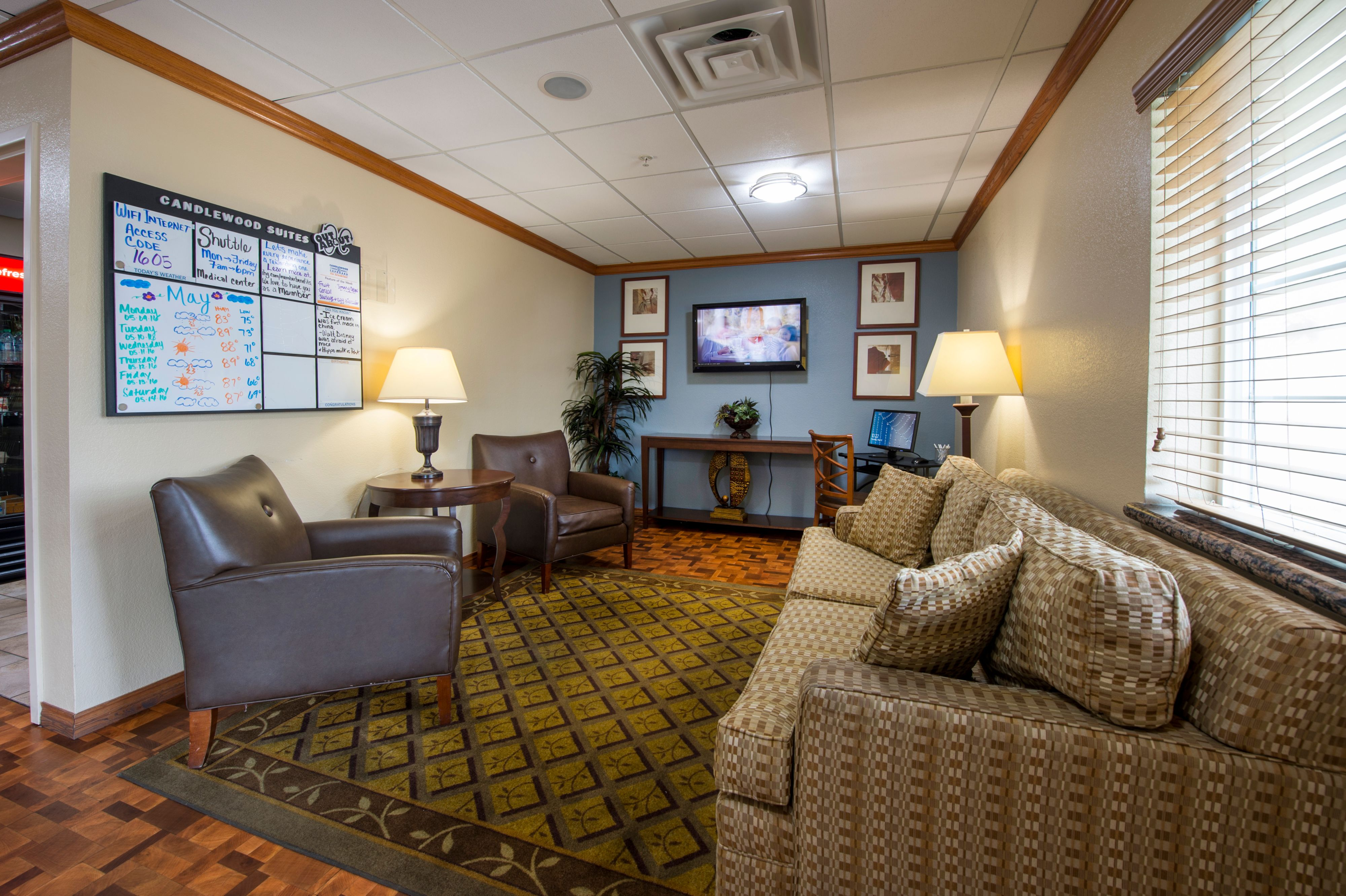 Candlewood Suites Houston Medical Center image 6