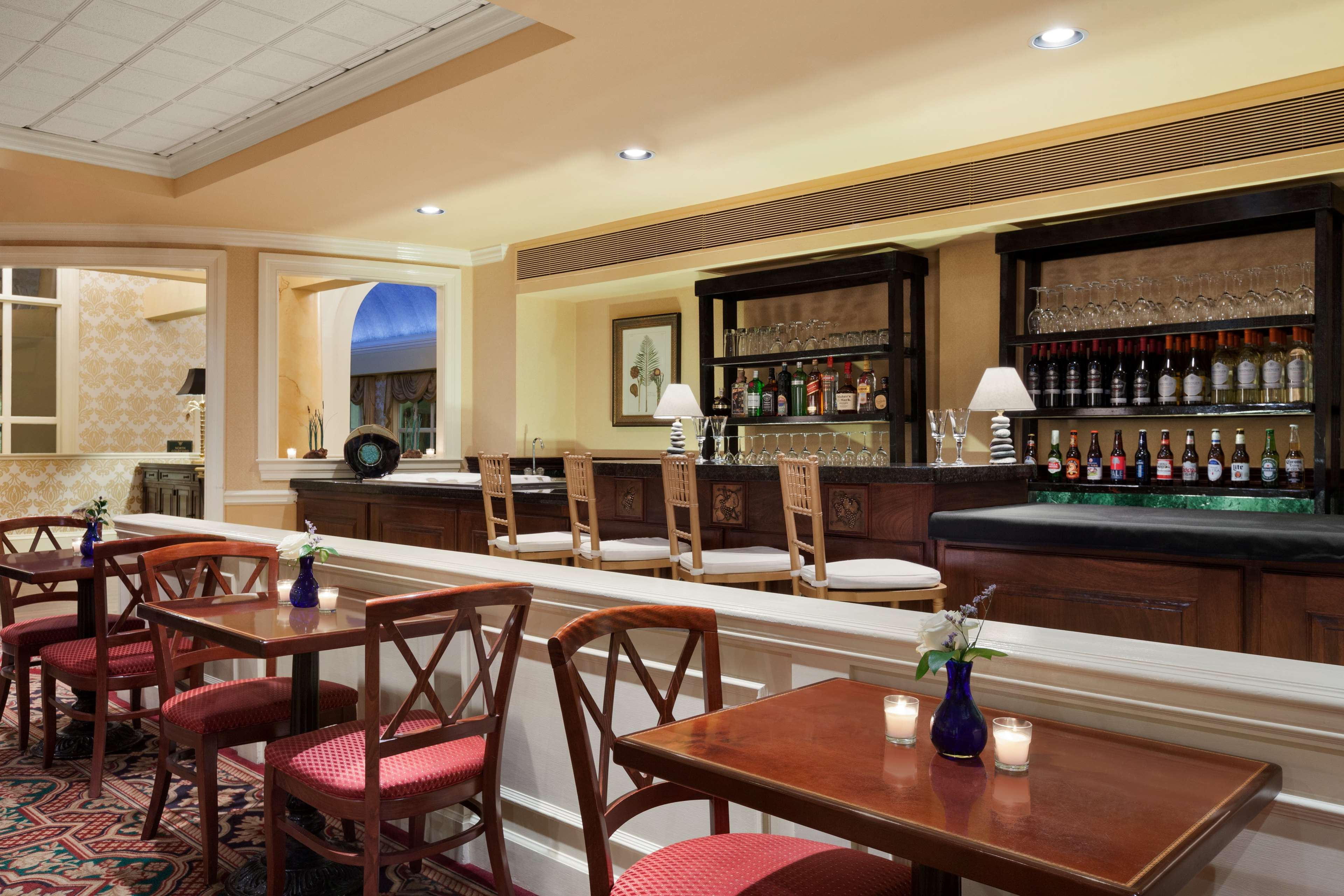 DoubleTree by Hilton Hotel & Suites Charleston - Historic District image 11