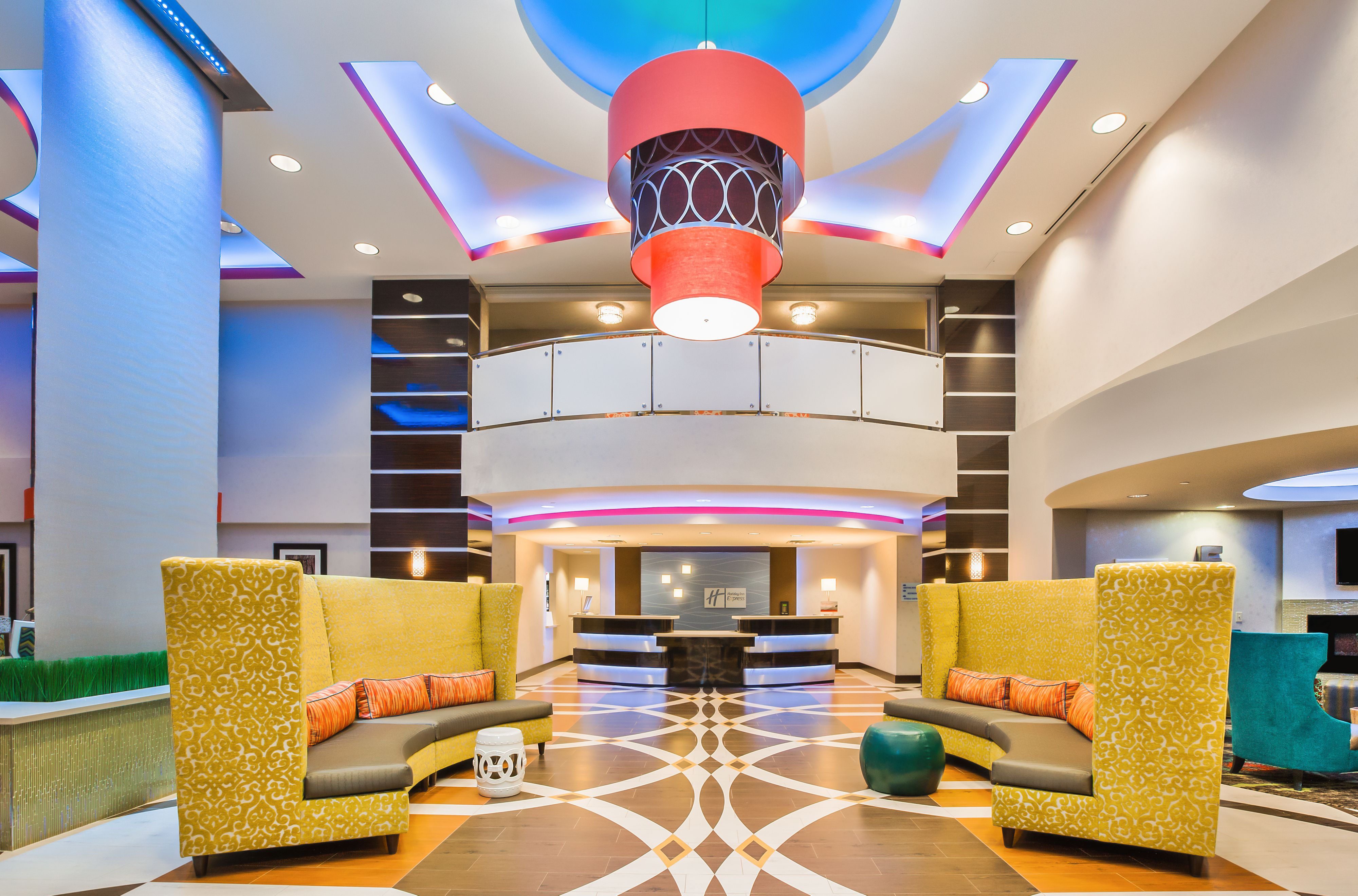 Holiday Inn Express & Suites Eureka image 4