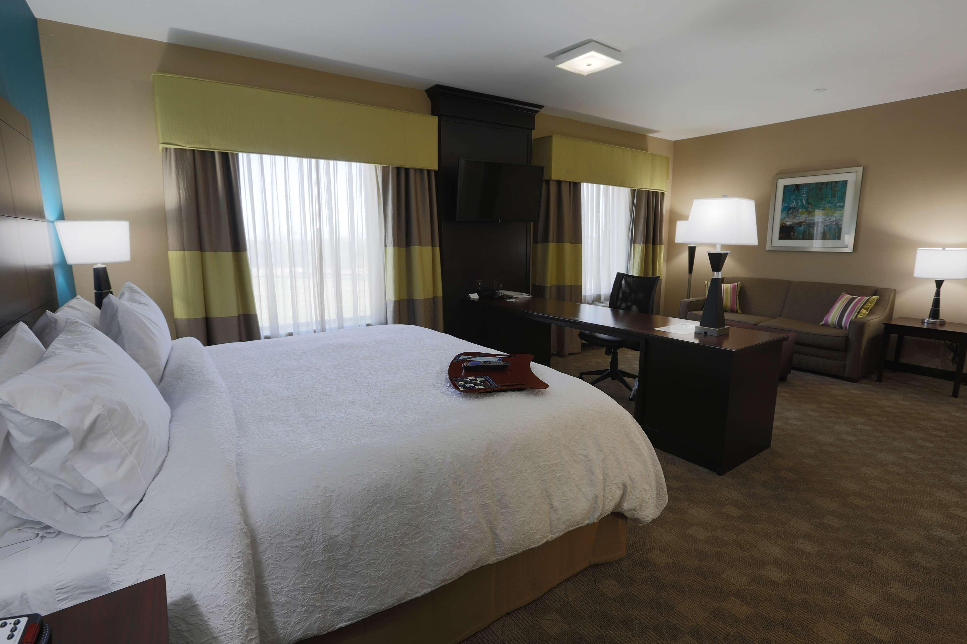 Hampton Inn & Suites Missouri City, TX image 34