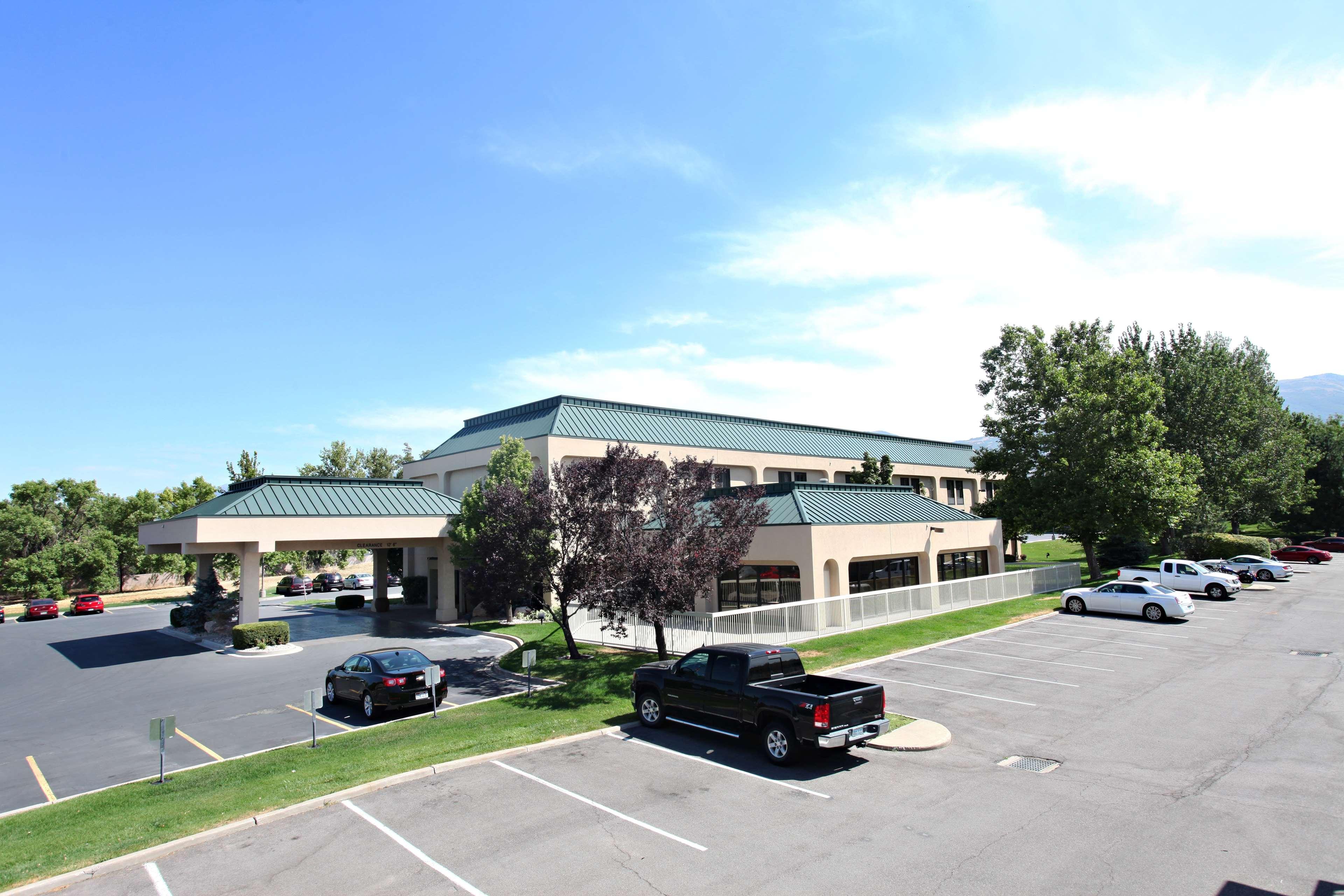 Hampton Inn Salt Lake City-North image 1