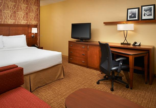 Courtyard by Marriott Chicago Oakbrook Terrace image 10