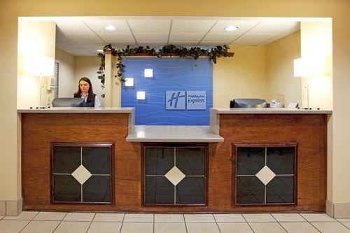 Holiday Inn Express Braselton image 2