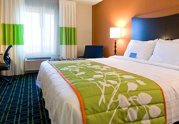 Fairfield Inn & Suites by Marriott Plainville image 2
