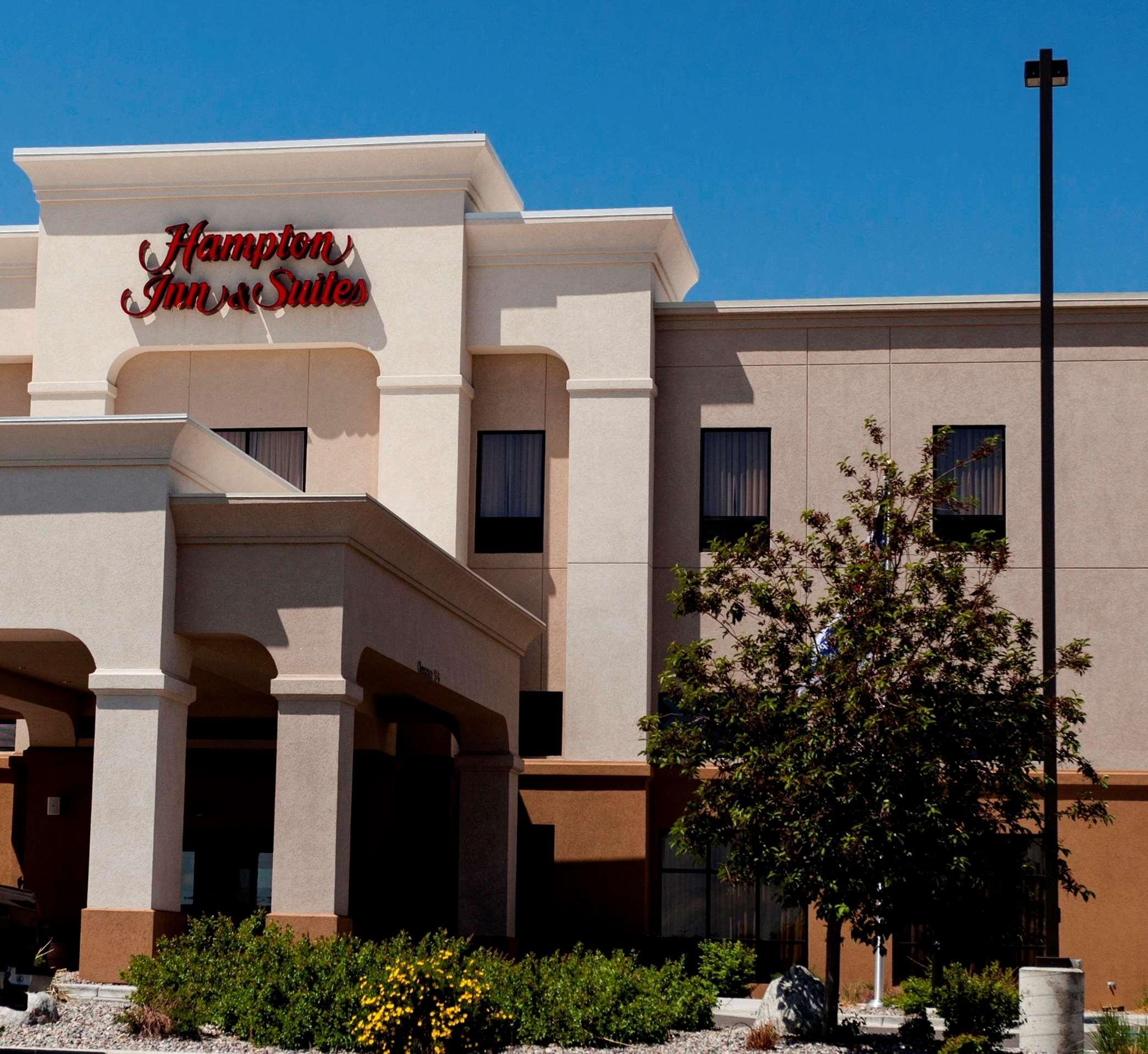 Hampton Inn & Suites Riverton image 25