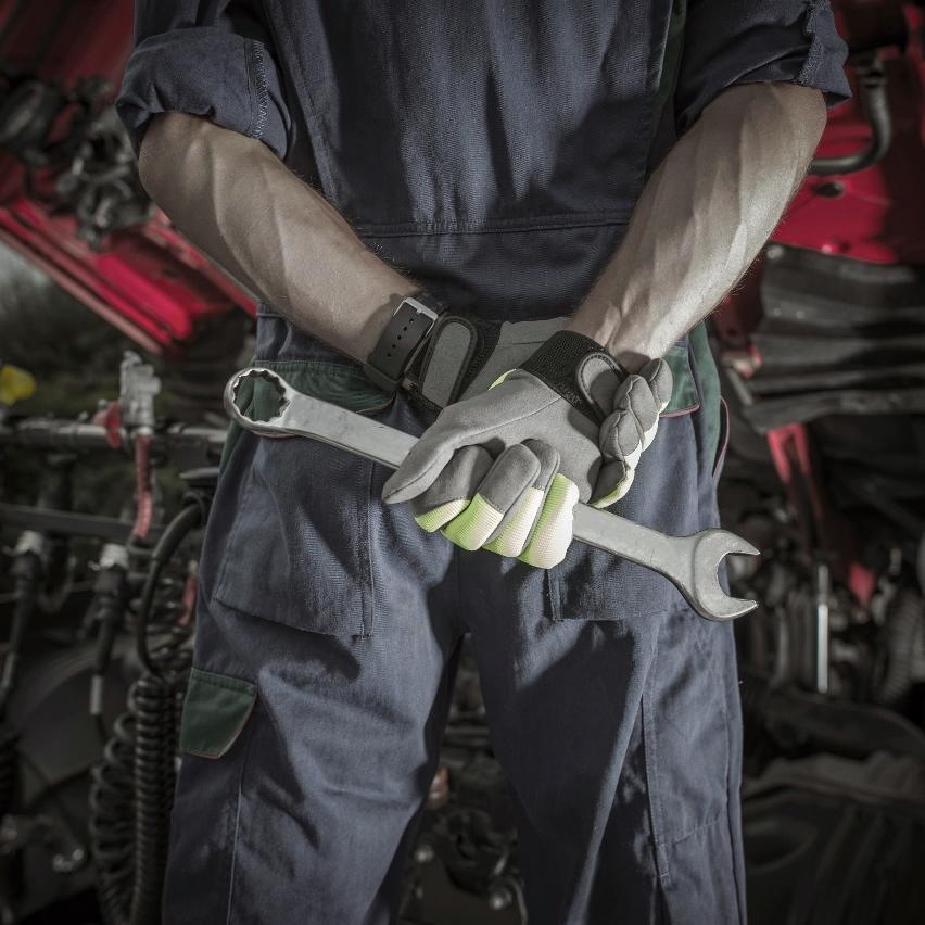 Blue Truck Repair Inc - Mobile Service image 2