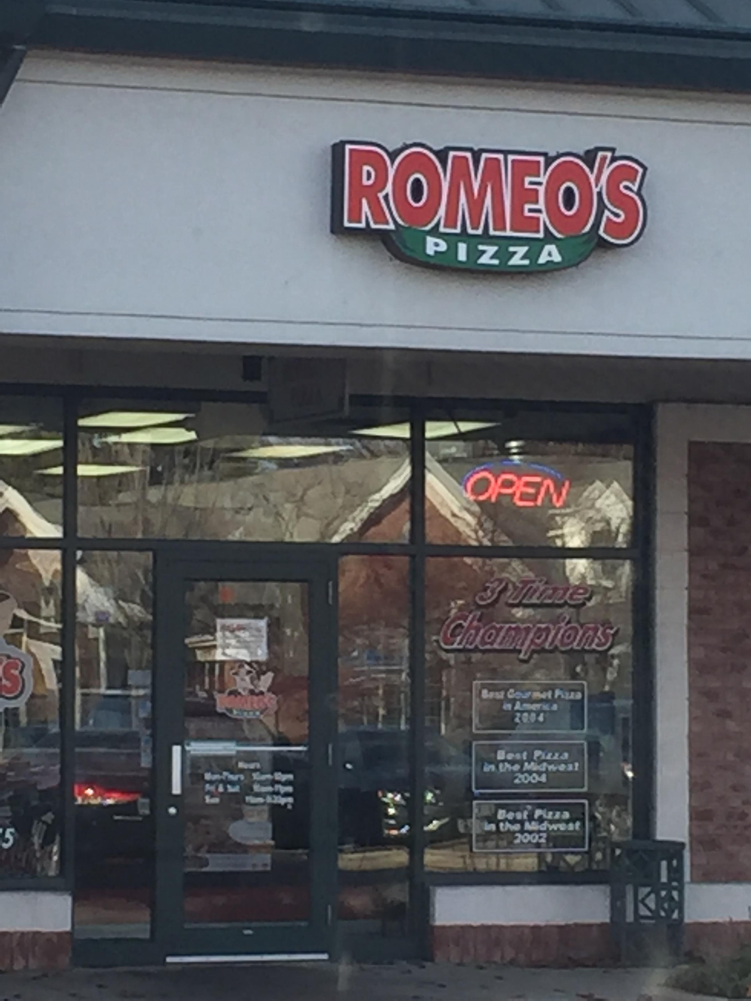 Romeo's Pizza image 0