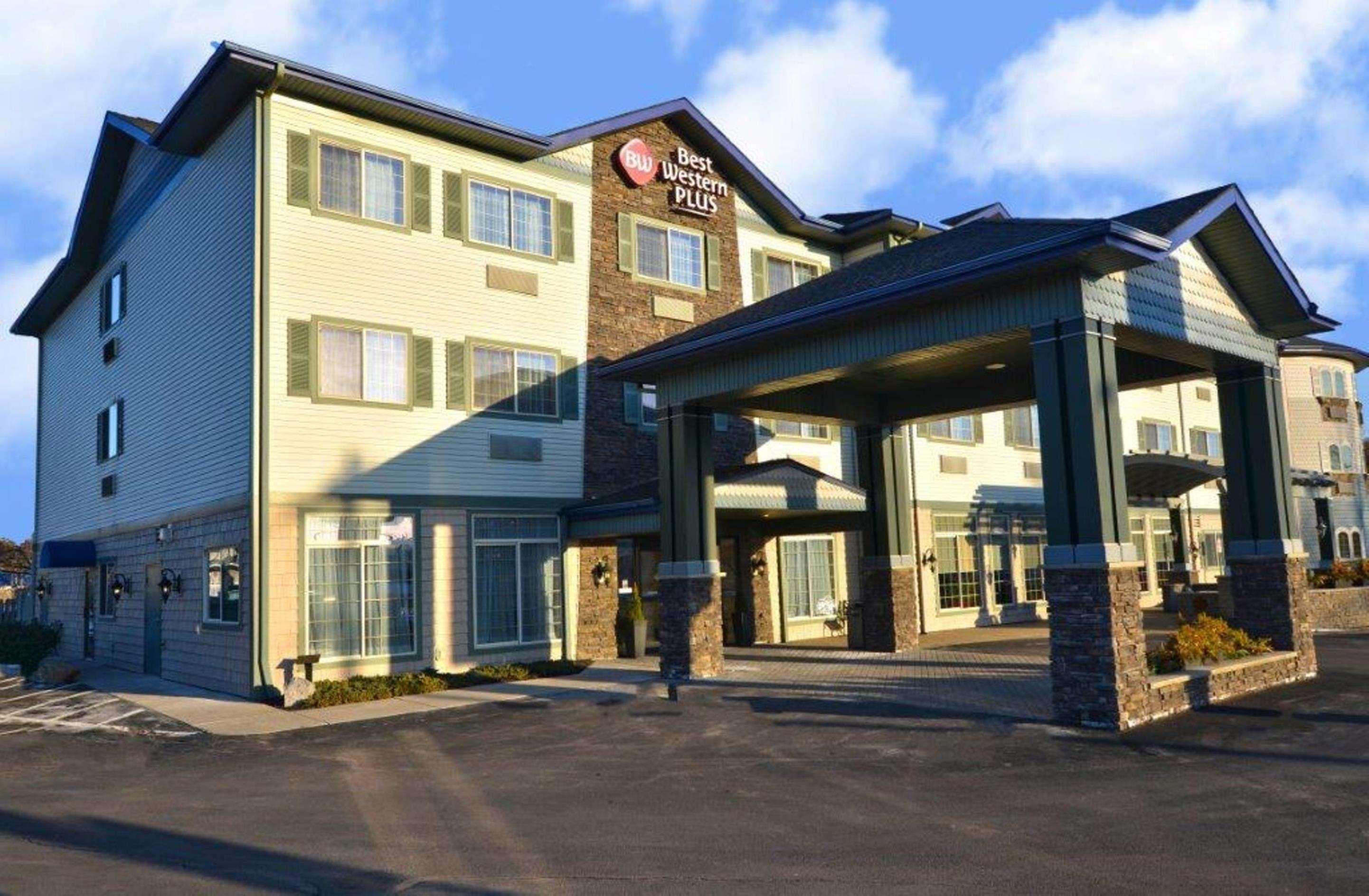 Best Western Plus Vineyard Inn & Suites image 0