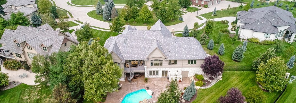 Kristi Creger | NP Dodge Real Estate image 1