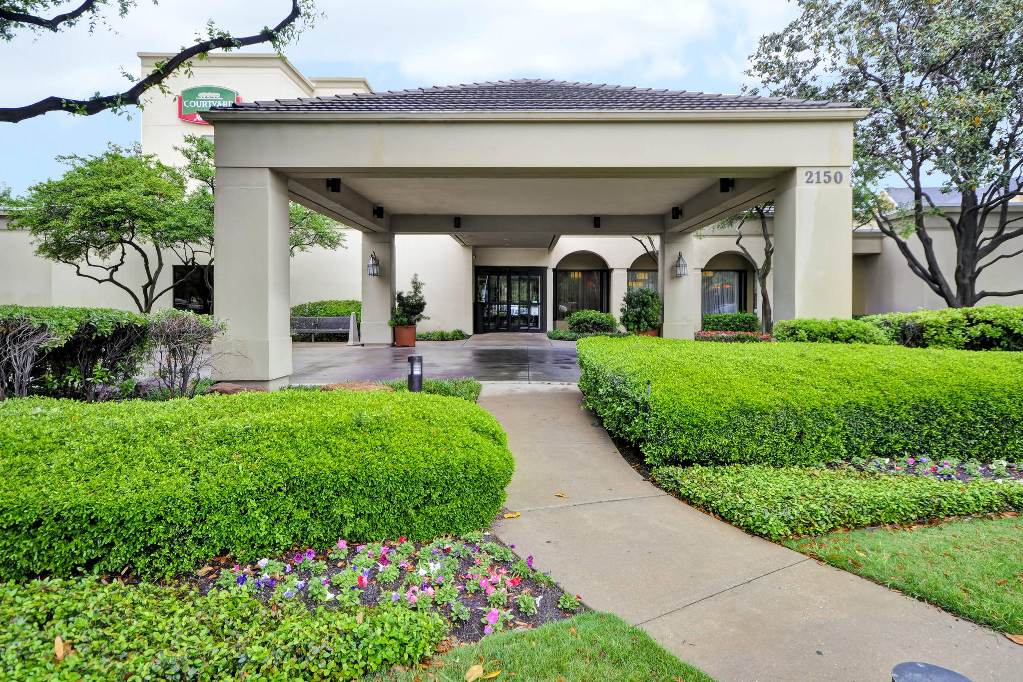 Courtyard by Marriott Dallas Medical/Market Center