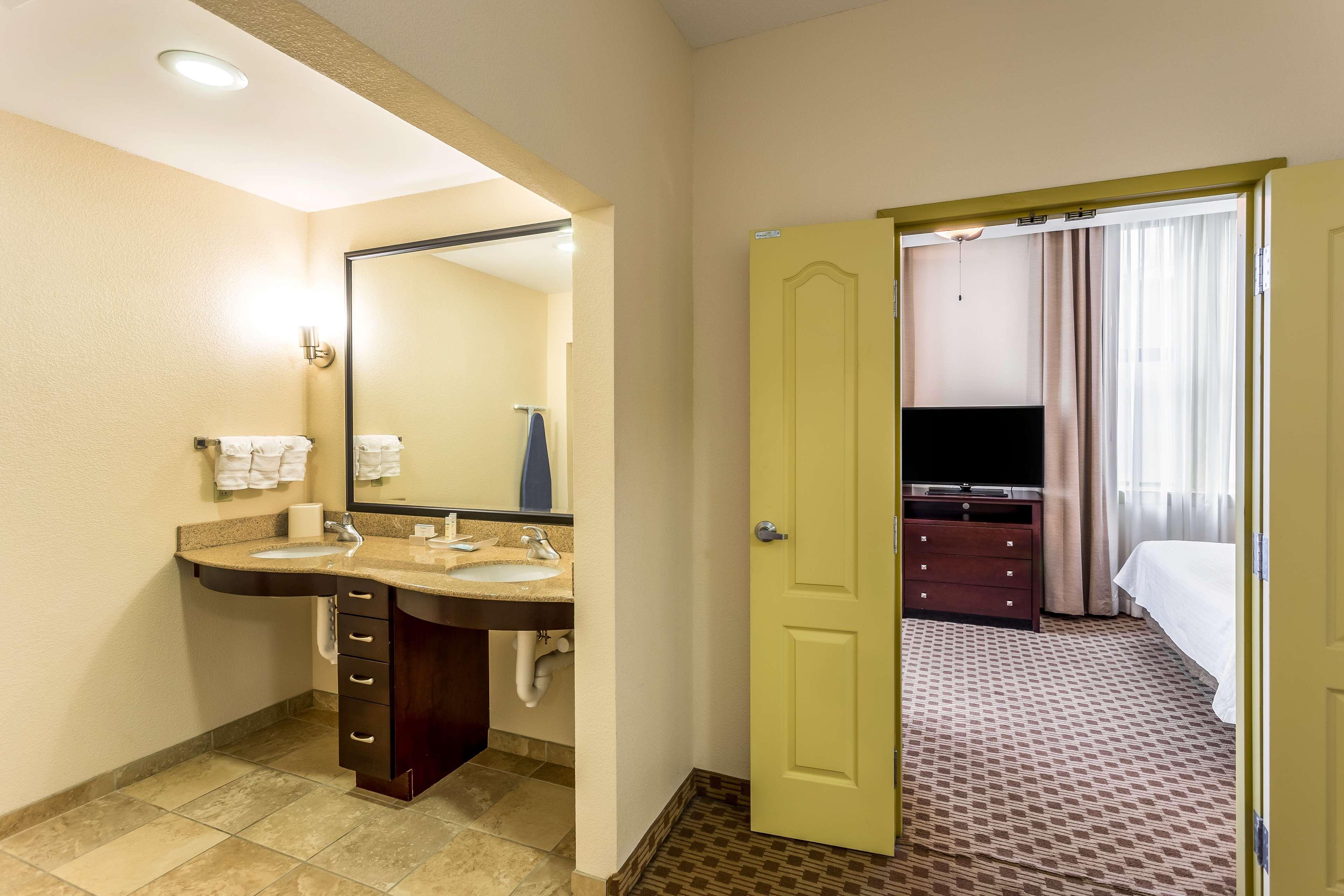 Homewood Suites by Hilton Nashville-Downtown image 14
