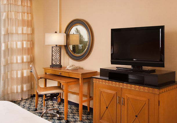 Greenville Marriott image 10