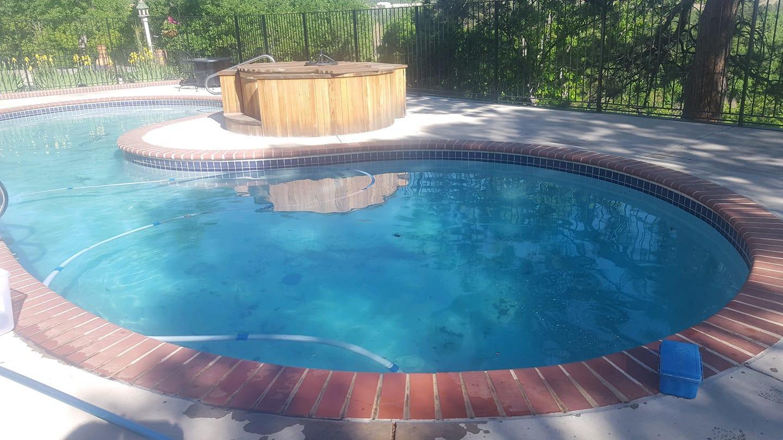 Amaezing Pools & Spas LLC image 10
