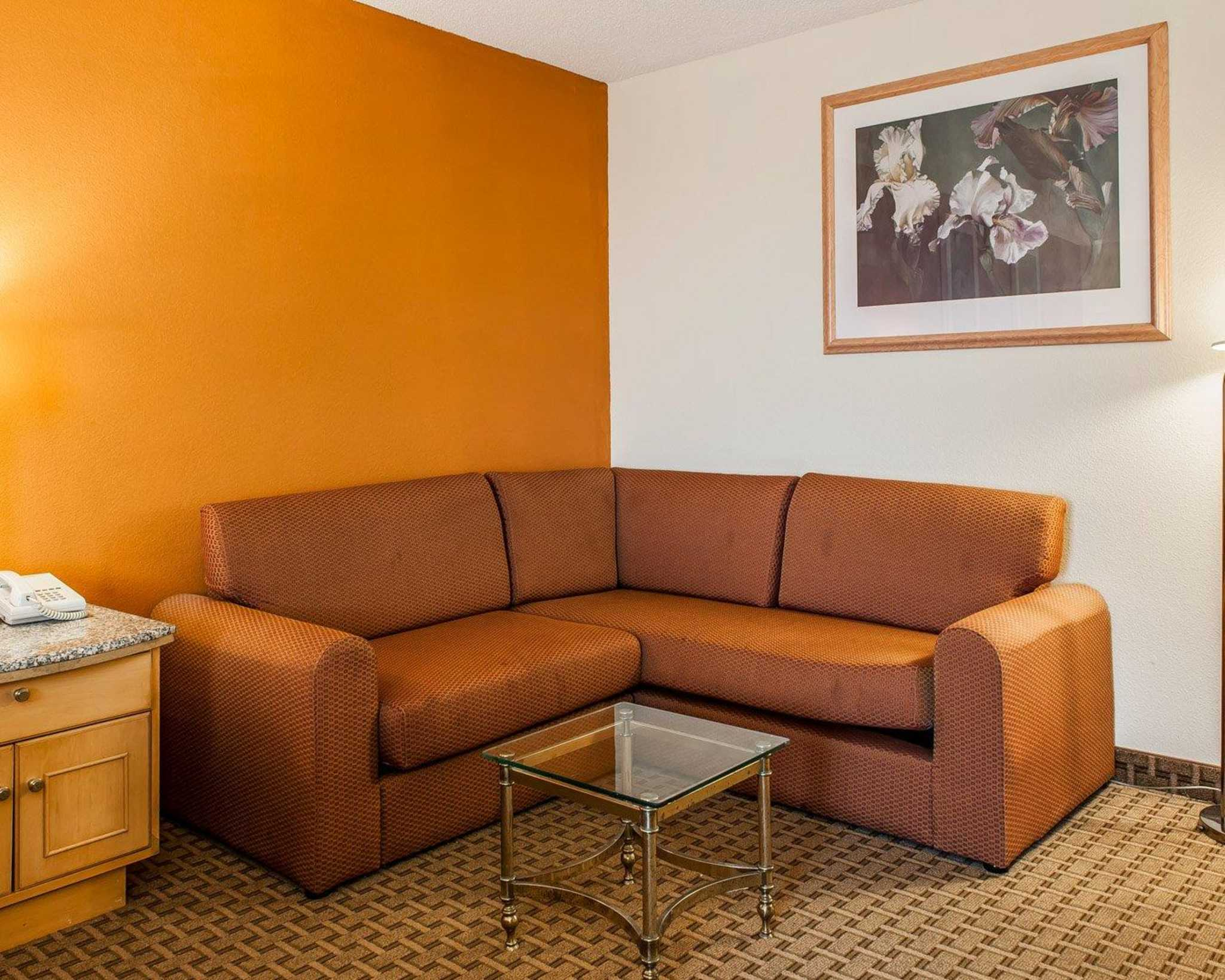 Quality Inn & Suites Shelbyville I-74 image 12