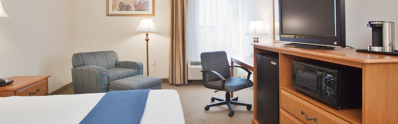 Holiday Inn Express New Bern image 1