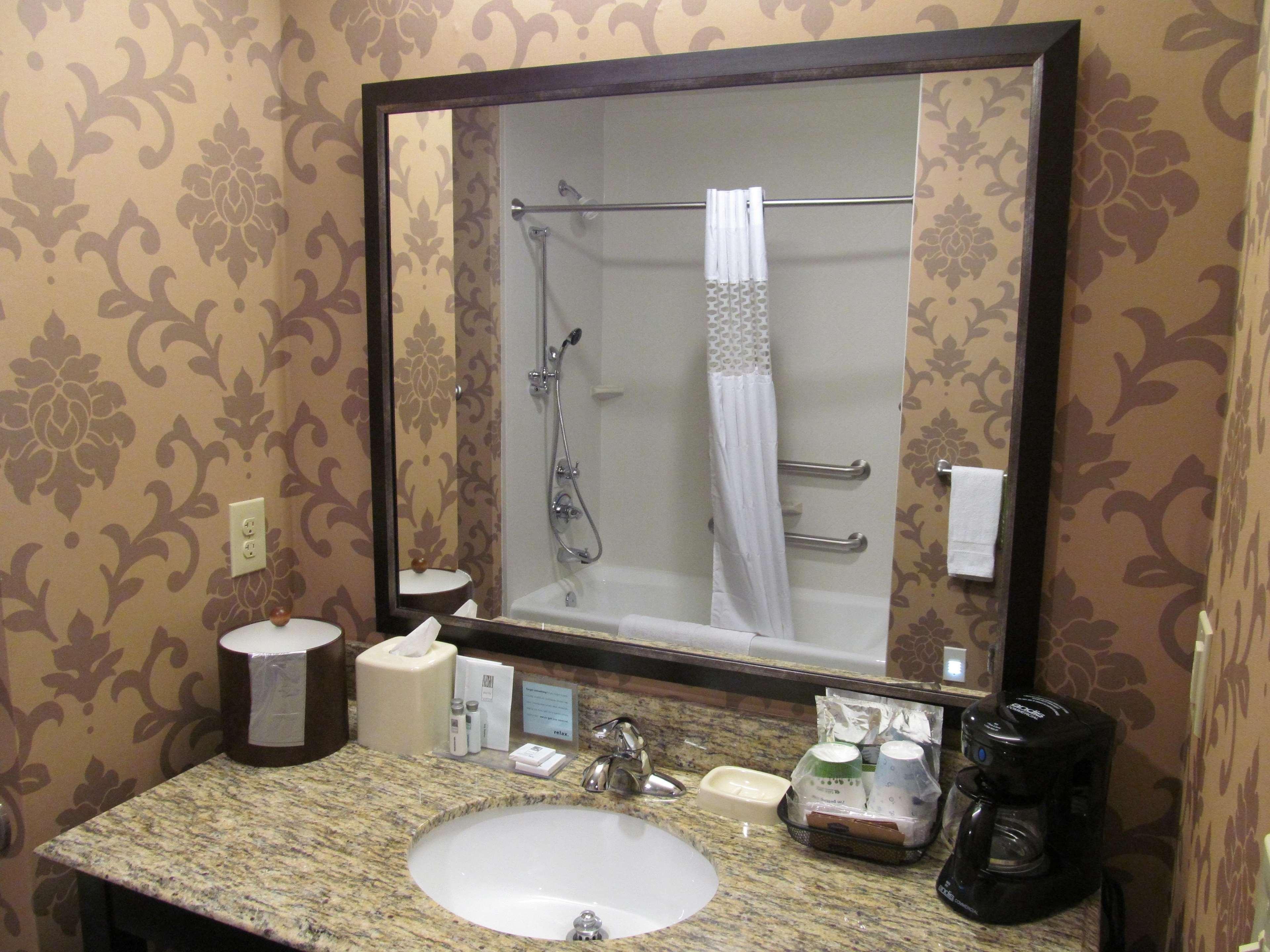 Hampton Inn & Suites Hope image 27
